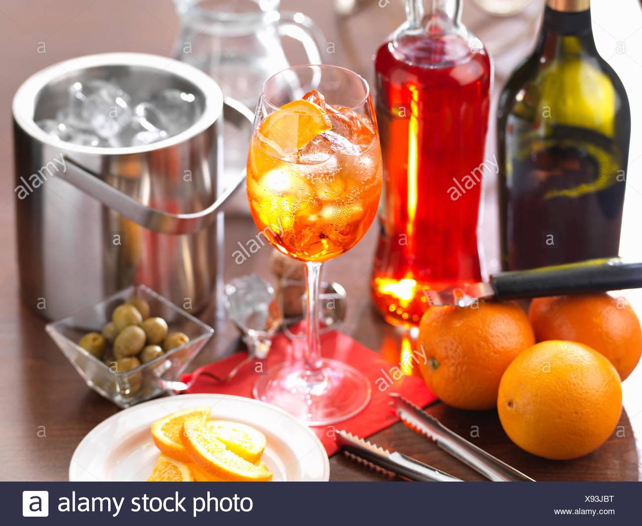 Bebida tradicional italiana Aperol Spritz Imagen De Stock
