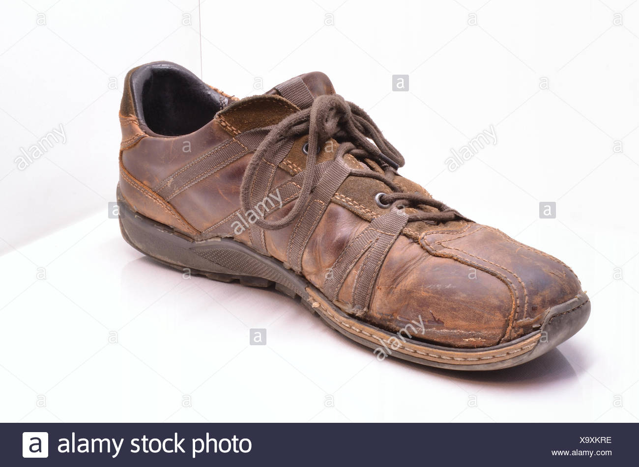 88a8fe55 Zapatos de cuero marrón parduzco morena solo segunda mano marrón parduzco