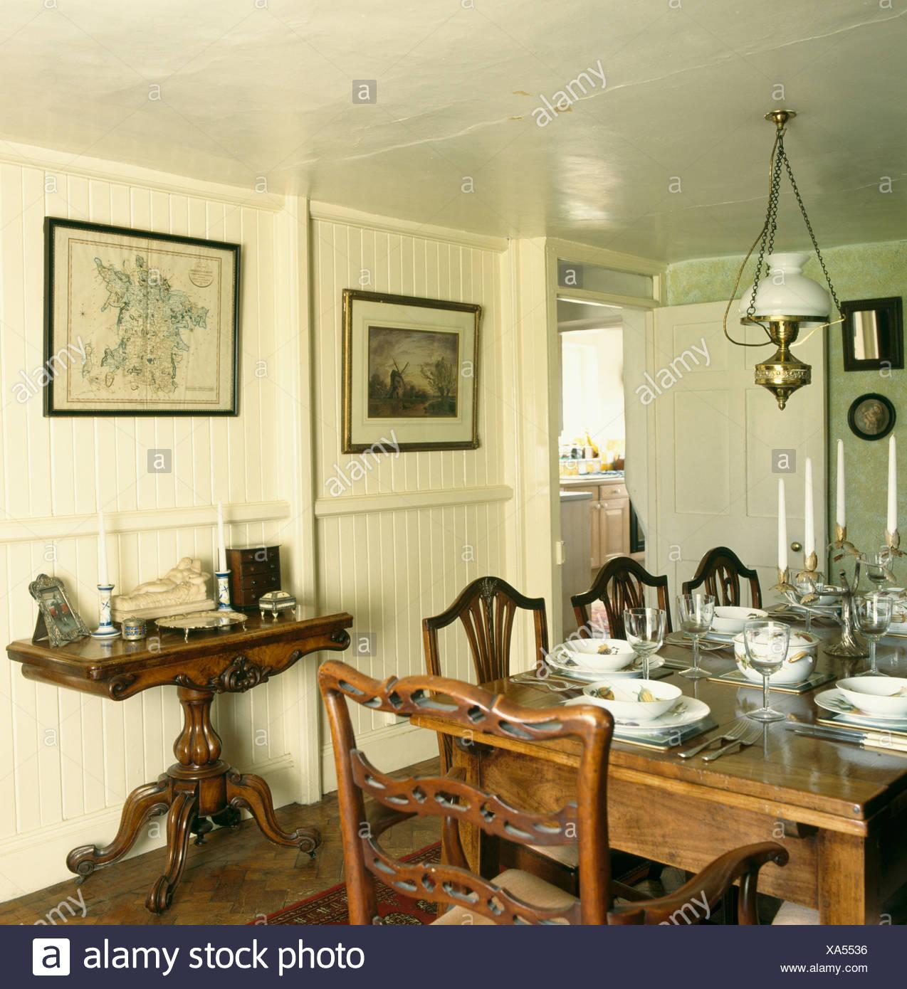 Mesa y sillas antiguas en punto muerto comedor con mesa de ...