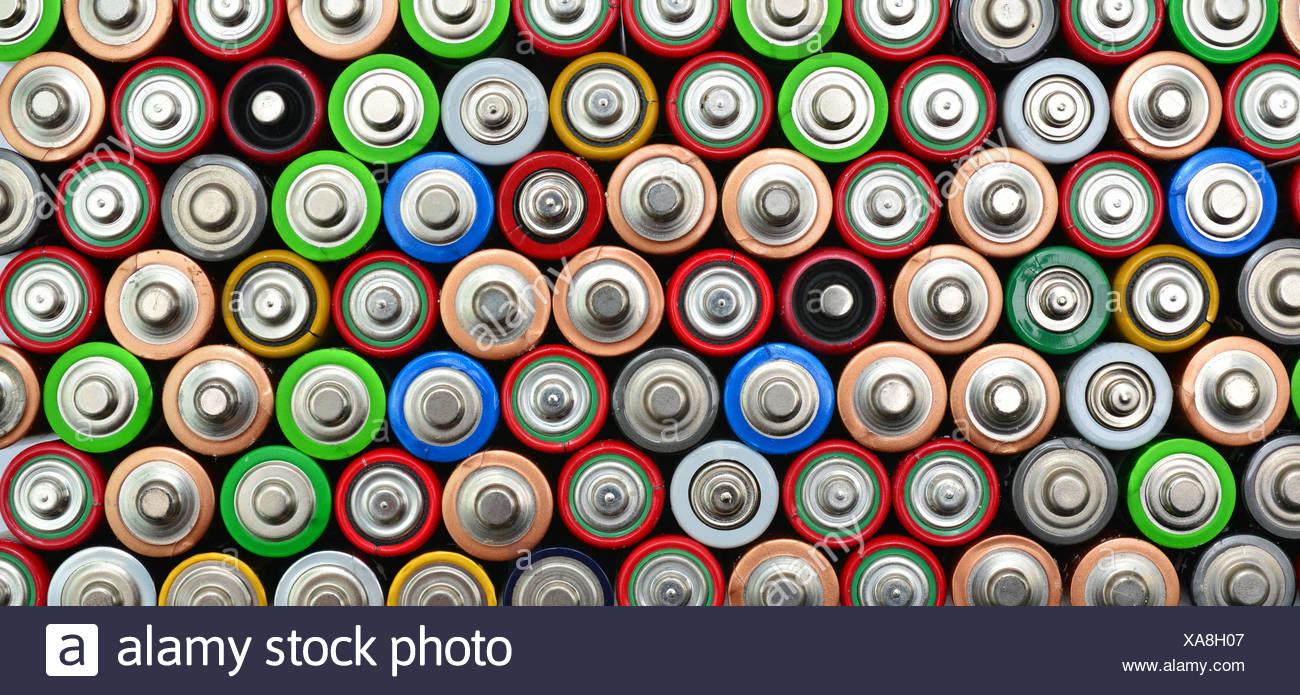 Vista superior de las pilas usadas Foto de stock