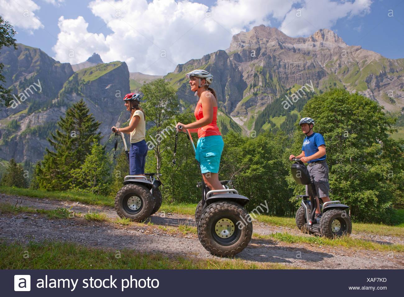 Segway, de dos ruedas, vehículo, personal transporter, duro, Adelboden, sendero, caminatas, trekking, cantón de Berna, en el Oberland Imagen De Stock