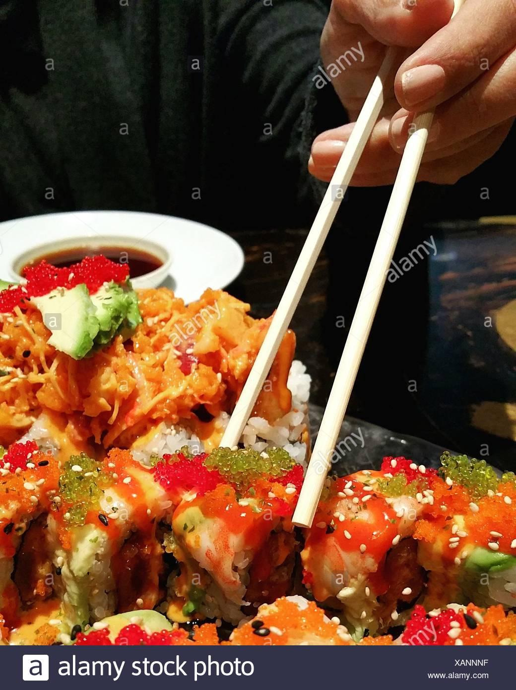 Comer Sushi Imagen De Stock