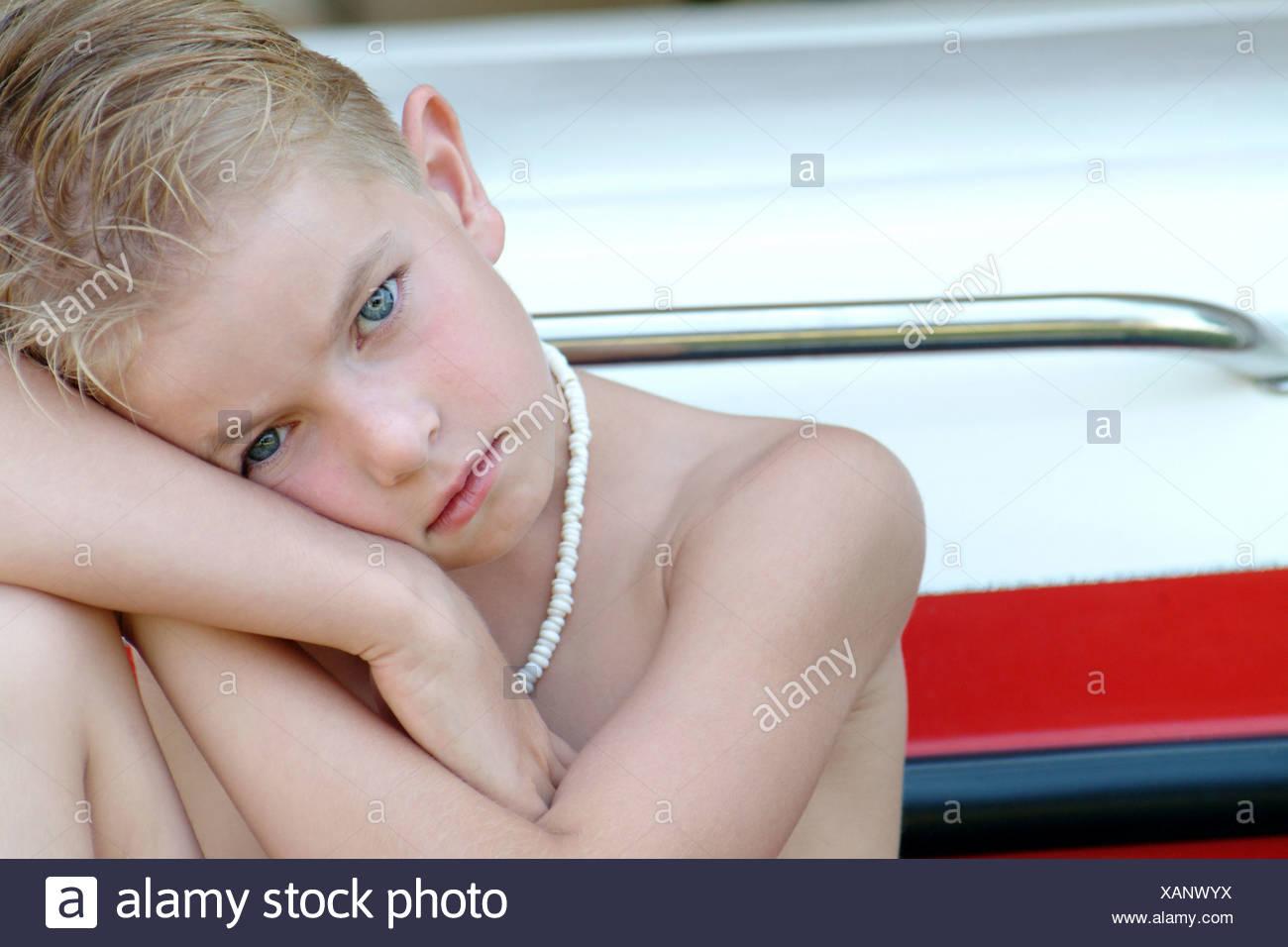 Muchacho de mirada triste Imagen De Stock