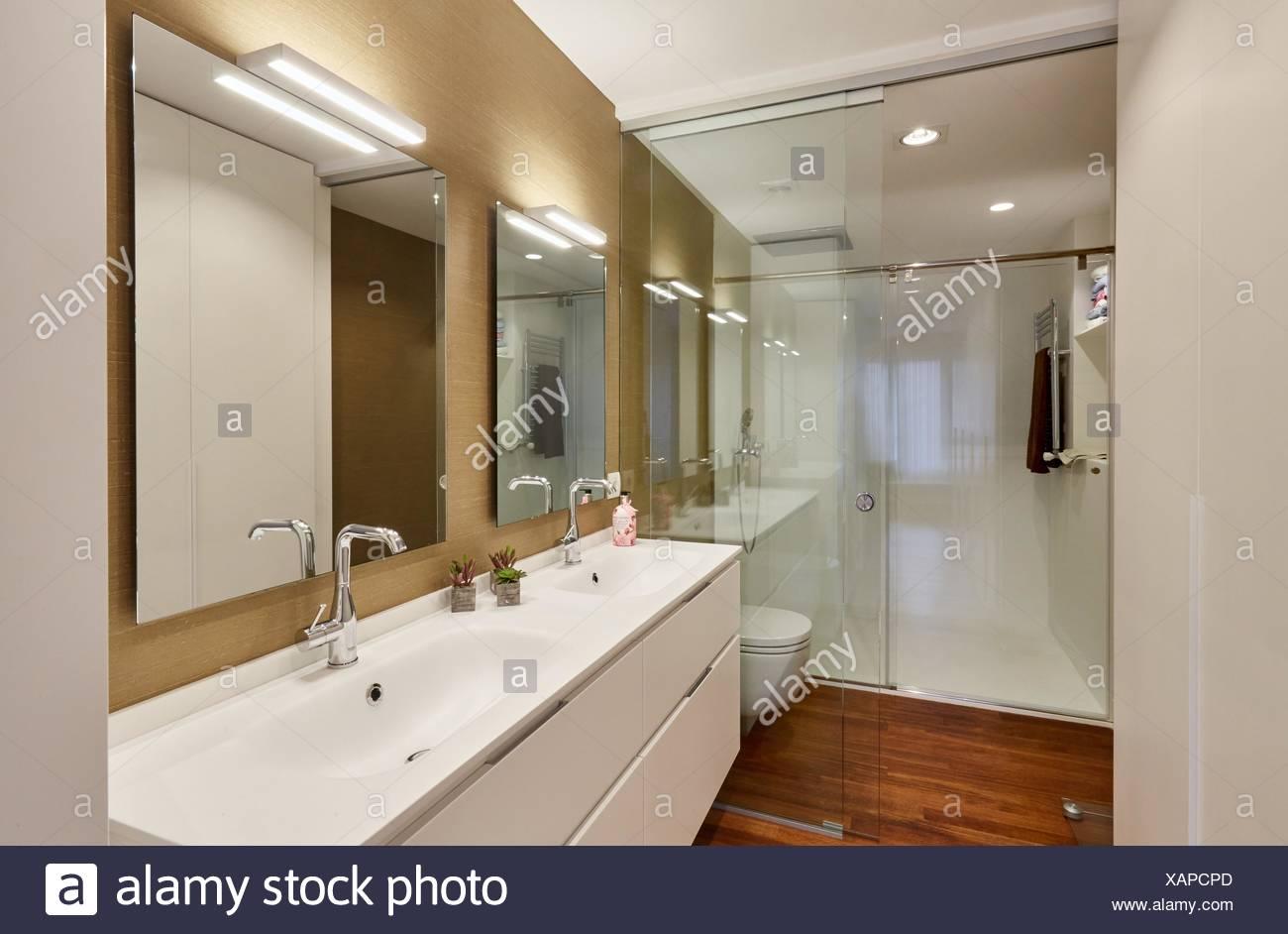 El cuarto de baño, decoración de interiores, hogar Foto ...