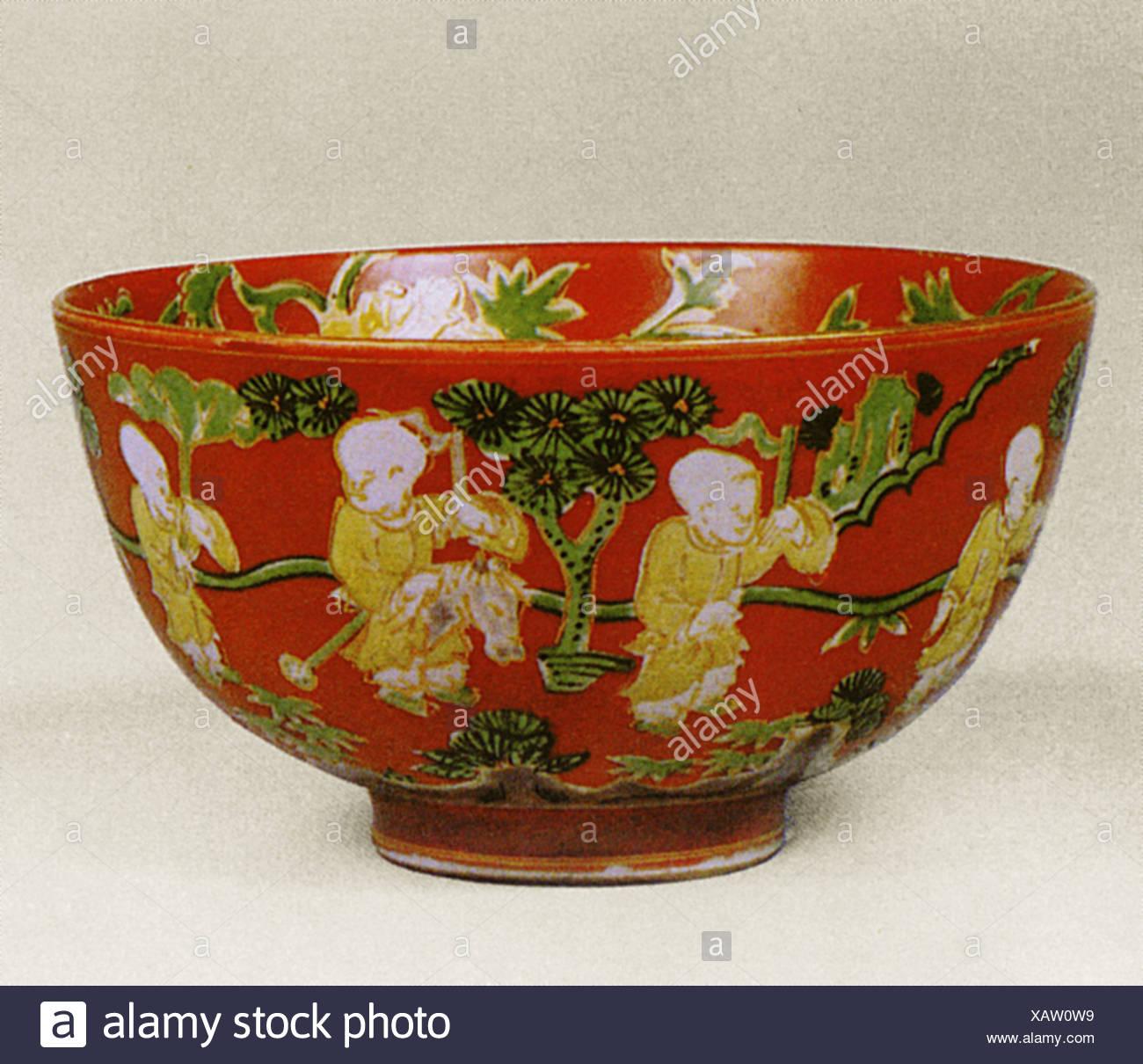 China Bowl Con Pintura Sobre Los Antiguos Muchachos Jugando Juegos