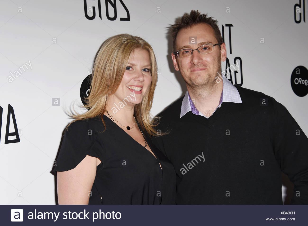 Presidencia Entertainment CEO Donald mostaza (L) y su esposa Laura llegan a la mostaza Game Awards 2015 / Llegadas en Microsoft Theatre el 3 de diciembre de 2015 en Los Angeles, California., Additional-Rights-juegos-NA Imagen De Stock