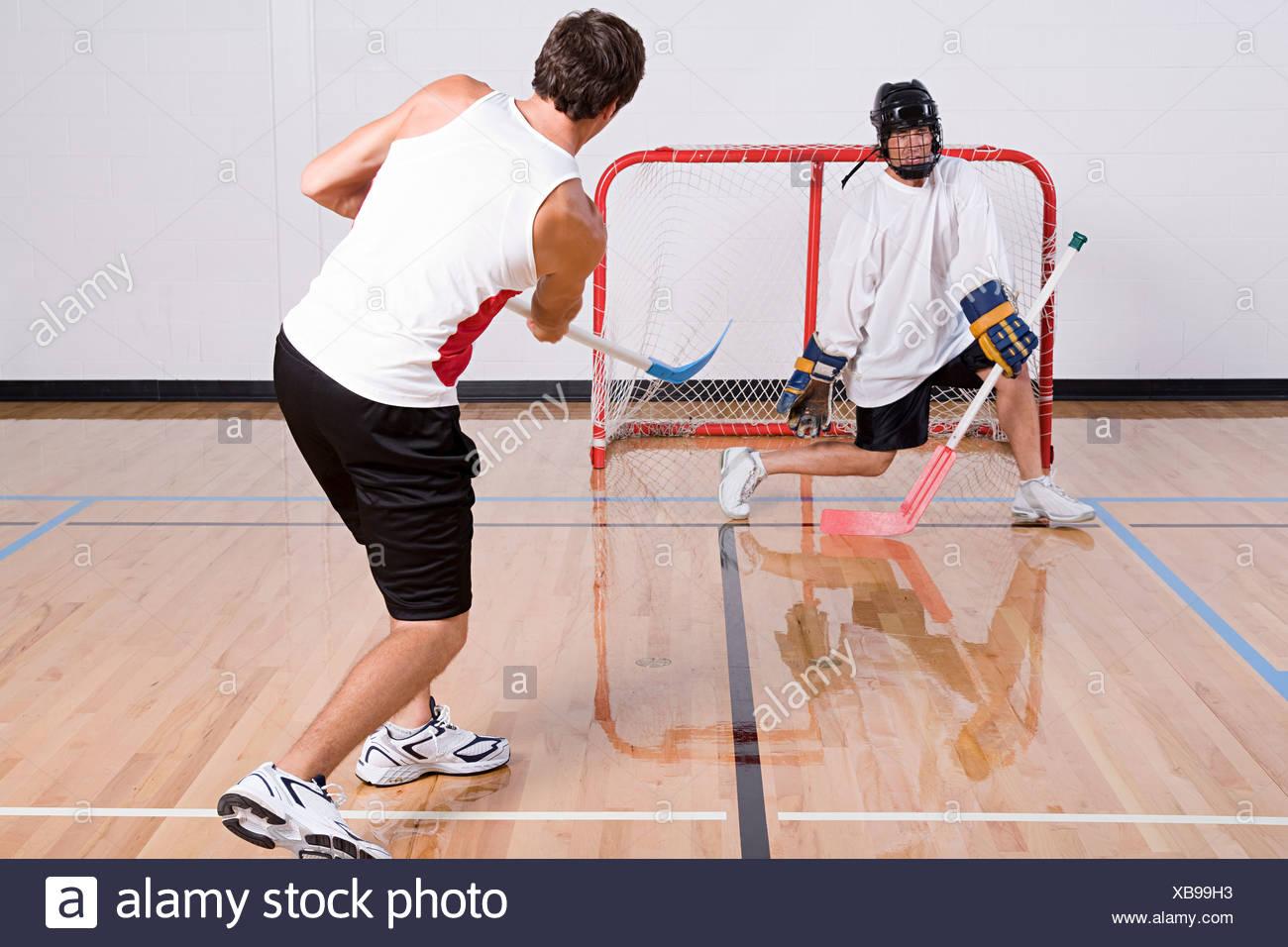 Portero de Hockey haciendo un guardar Imagen De Stock