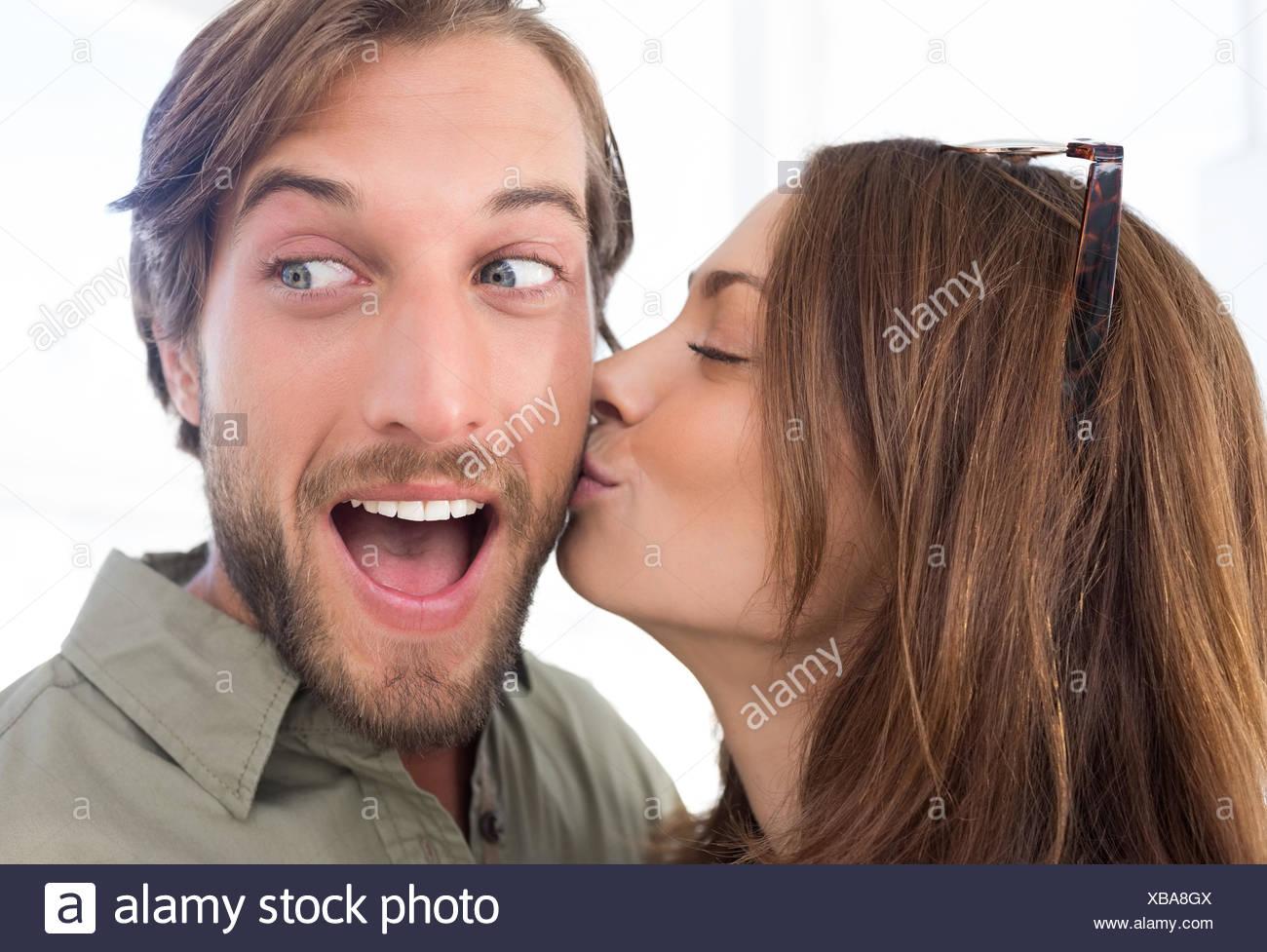 805cd87b6c95b Pretty woman besos hombre con barba en la mejilla foto imagen jpg 1300x977 Besos  de hombre