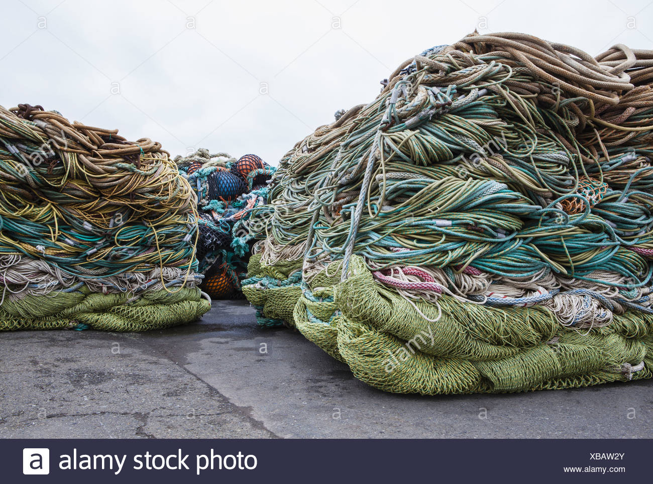 Seattle, Washington, EE.UU. redes de pesca comercial en la Terminal del pescador. Imagen De Stock