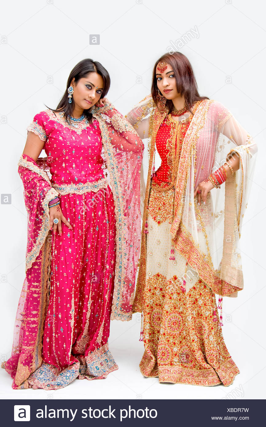 Indian Traditional Dresses Imágenes De Stock & Indian Traditional ...