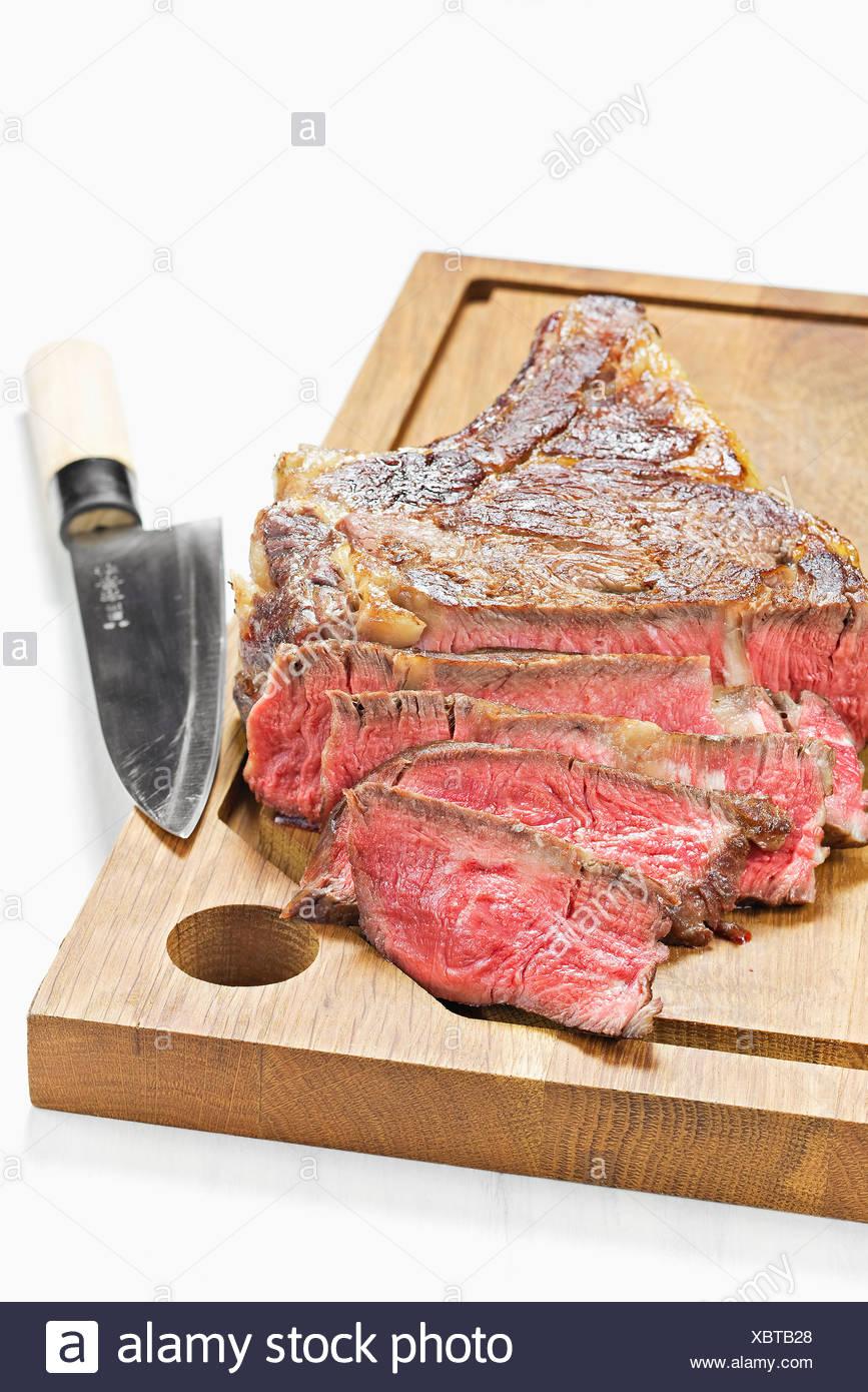Chuleta de carne a poco cocida Imagen De Stock