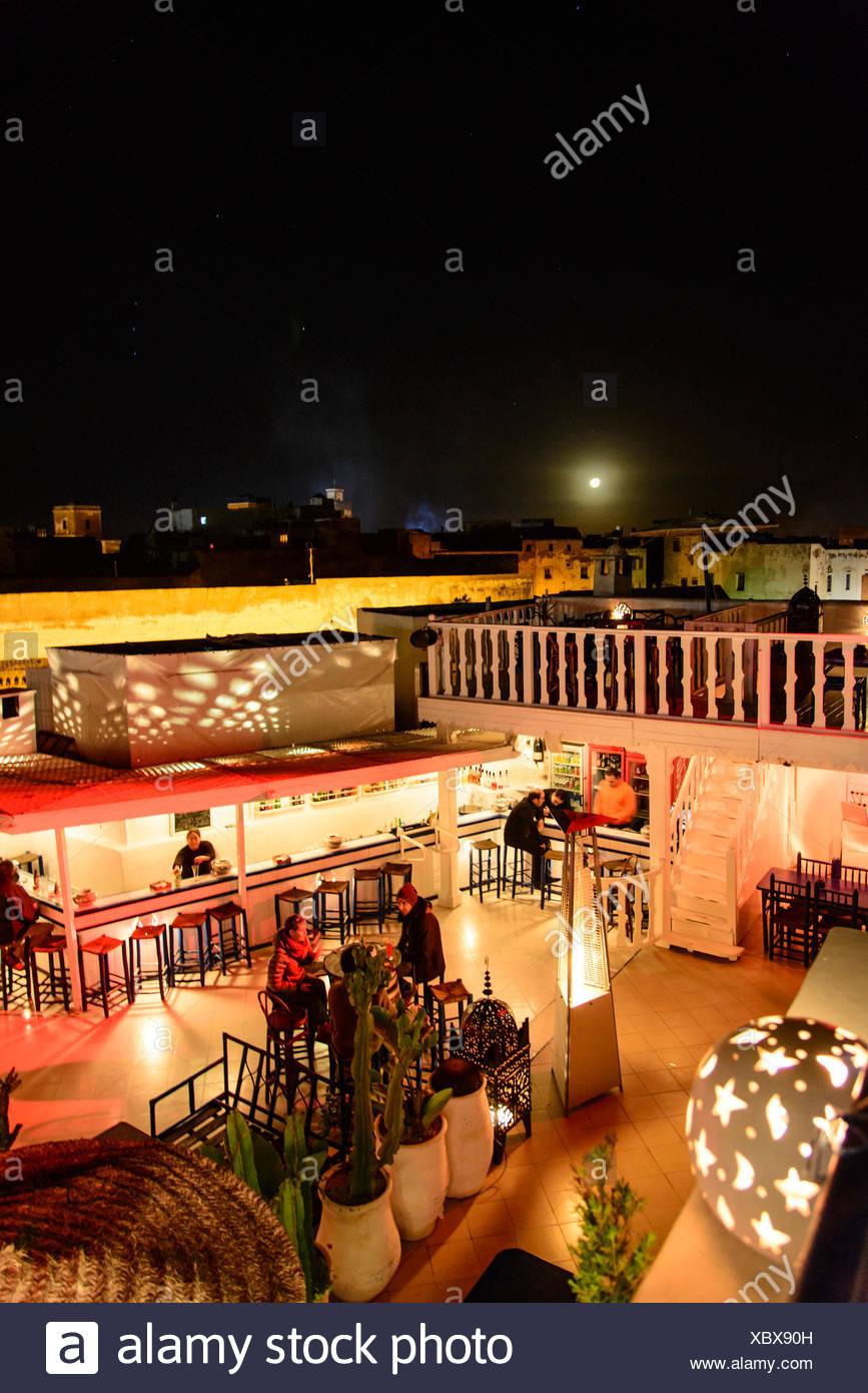 áfrica Marruecos Essaouira Terraza De Café Por La Noche