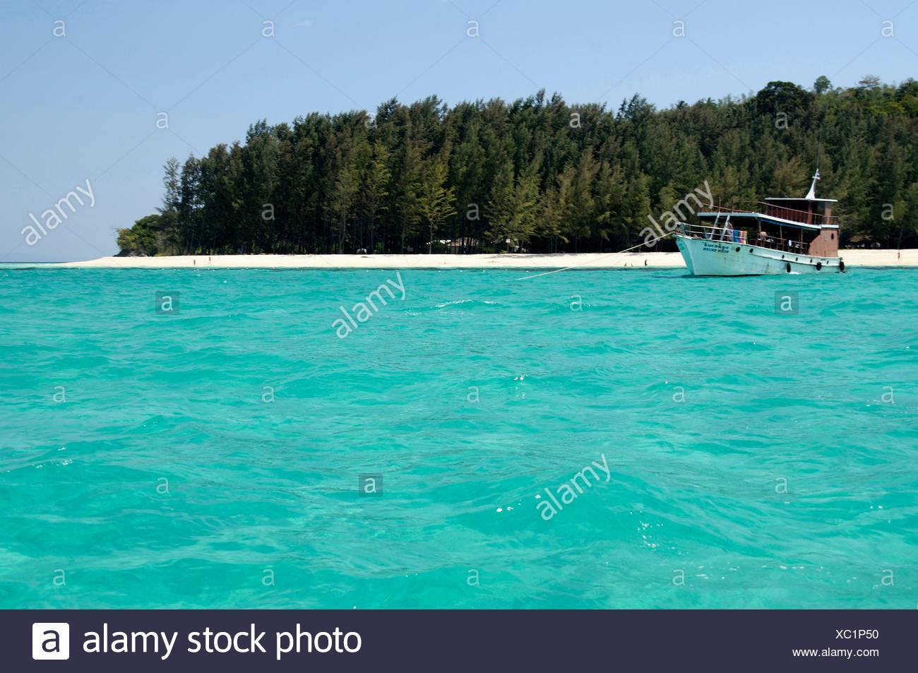 Agua esmeralda Nang Provincia de Krabi Tailandia ; ; El Sudeste asiático Foto de stock