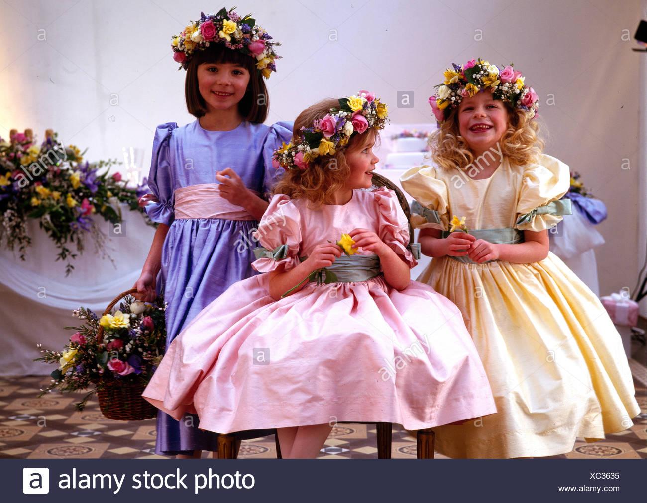 Bridesmaids Dresses Imágenes De Stock & Bridesmaids Dresses Fotos De ...
