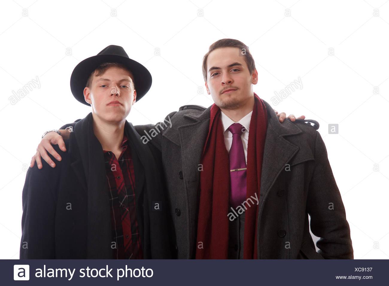 Los Hombres Bien Vestidos Foto Imagen De Stock 282940203