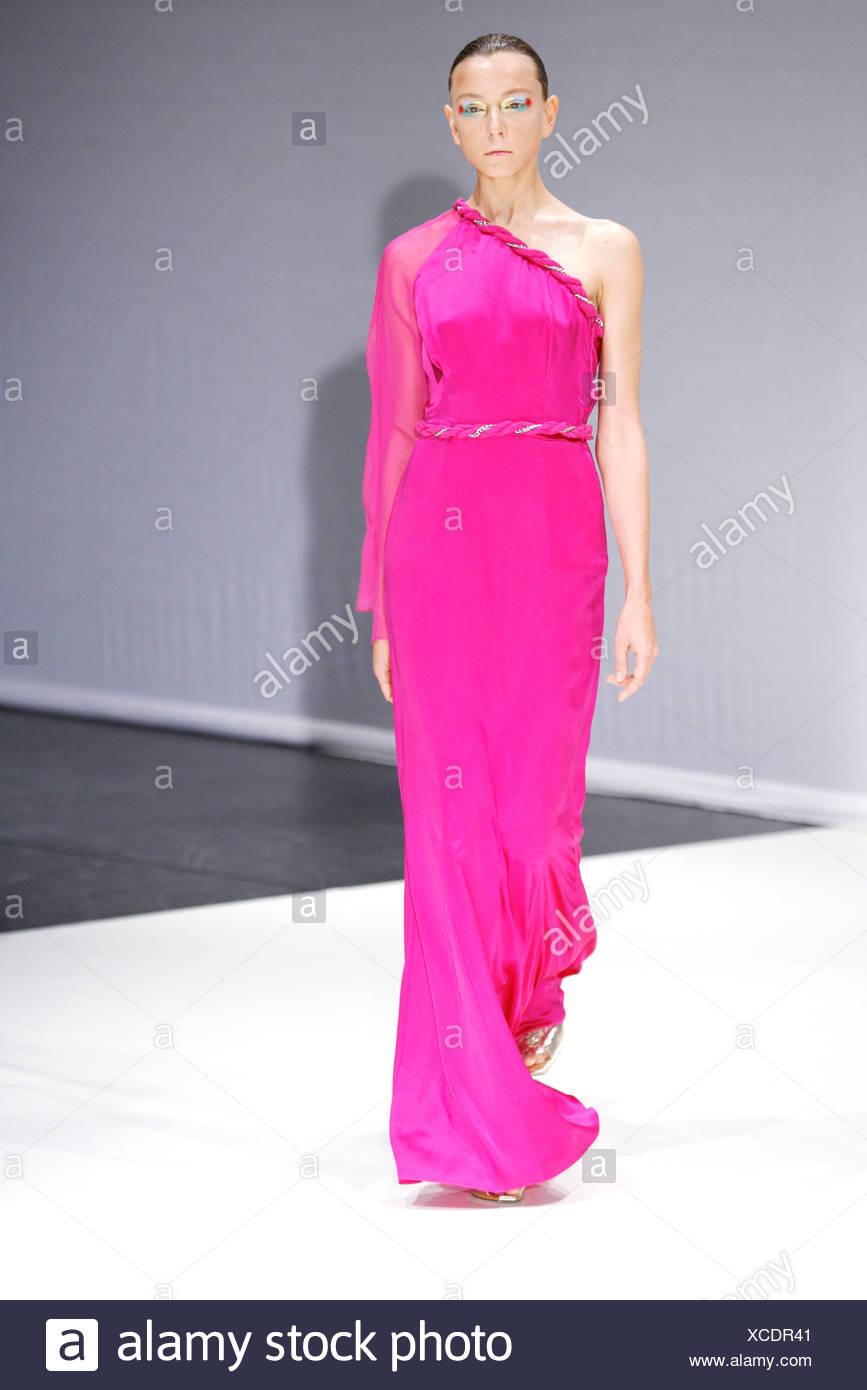 Grecian Goddess Dress Imágenes De Stock & Grecian Goddess Dress ...