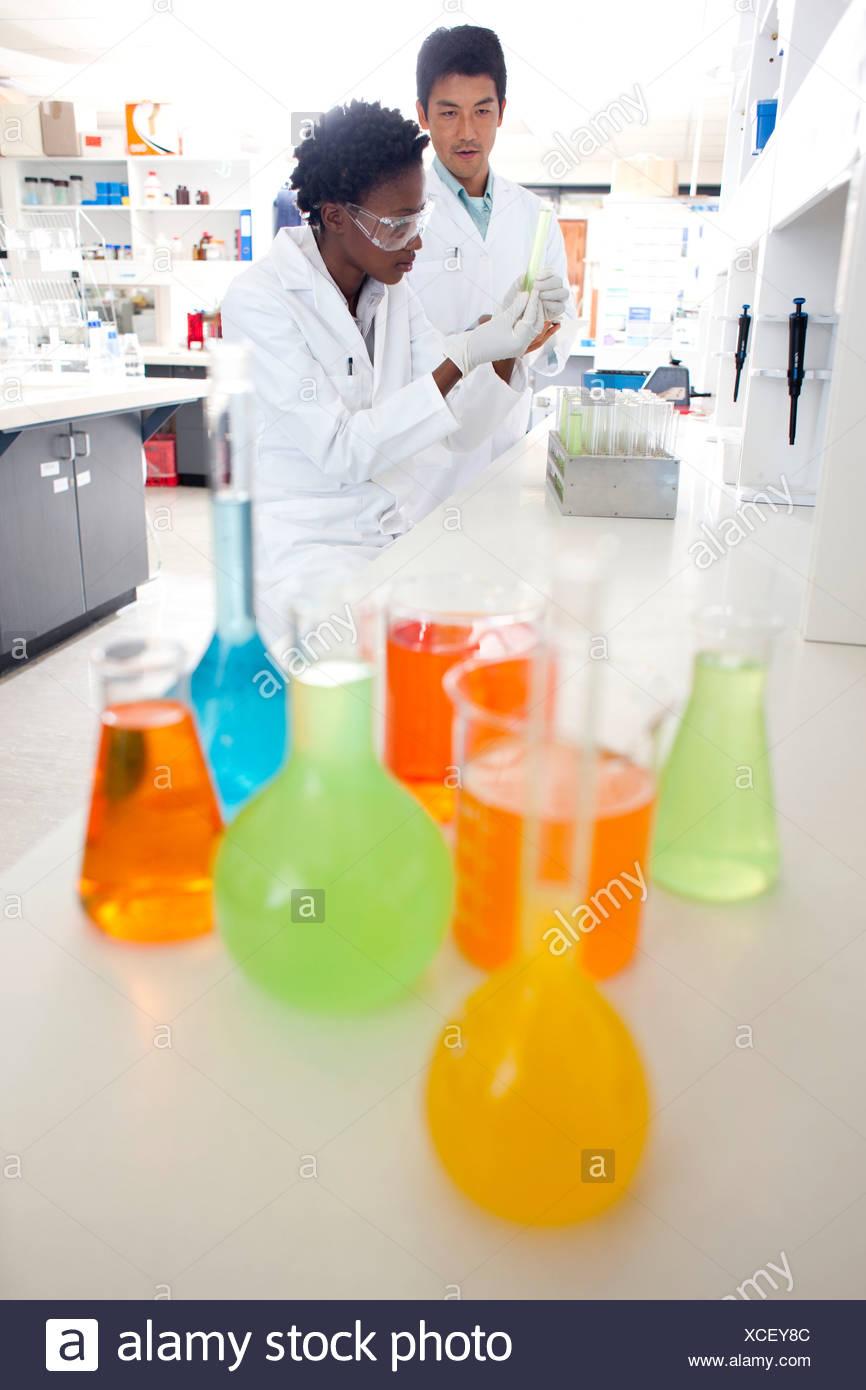 Químicos Foto de stock
