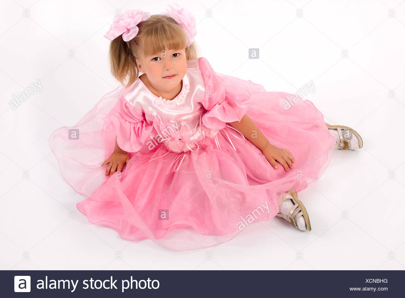 Pink Silk Dress Imágenes De Stock & Pink Silk Dress Fotos De Stock ...