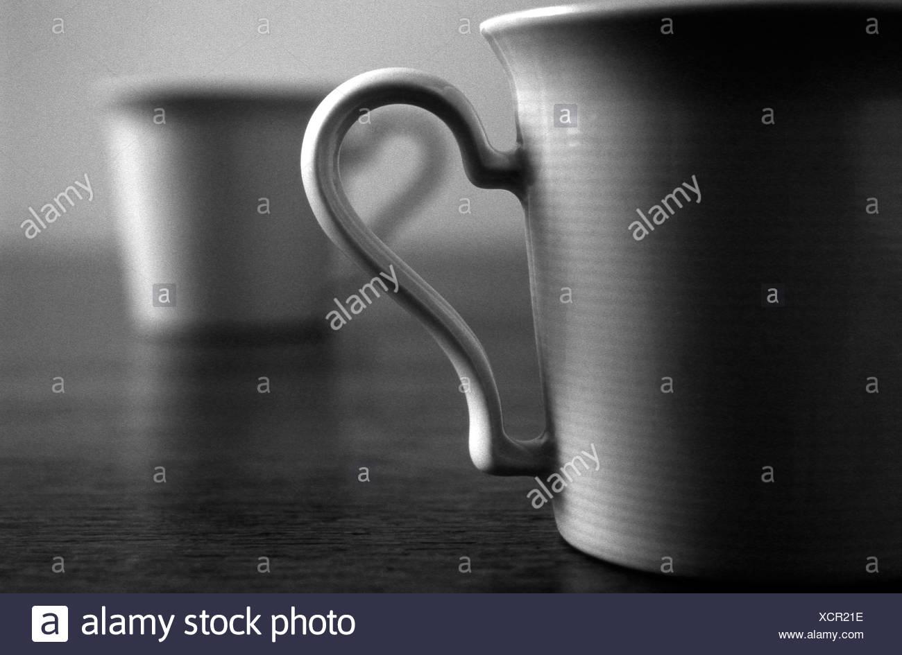 Tazas de té, blanco y negro Imagen De Stock