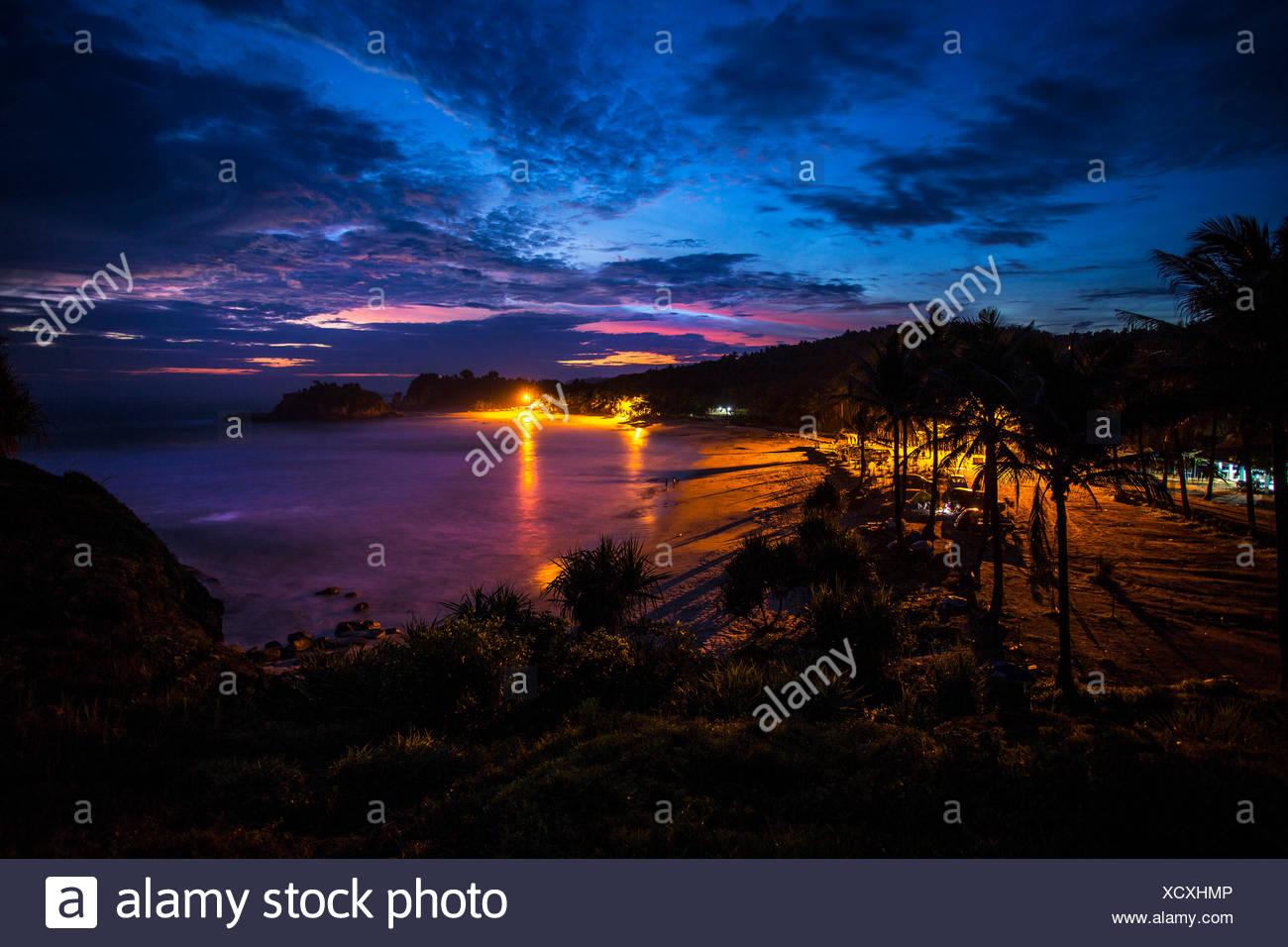 Java oriental, Klayar playa al atardecer Imagen De Stock
