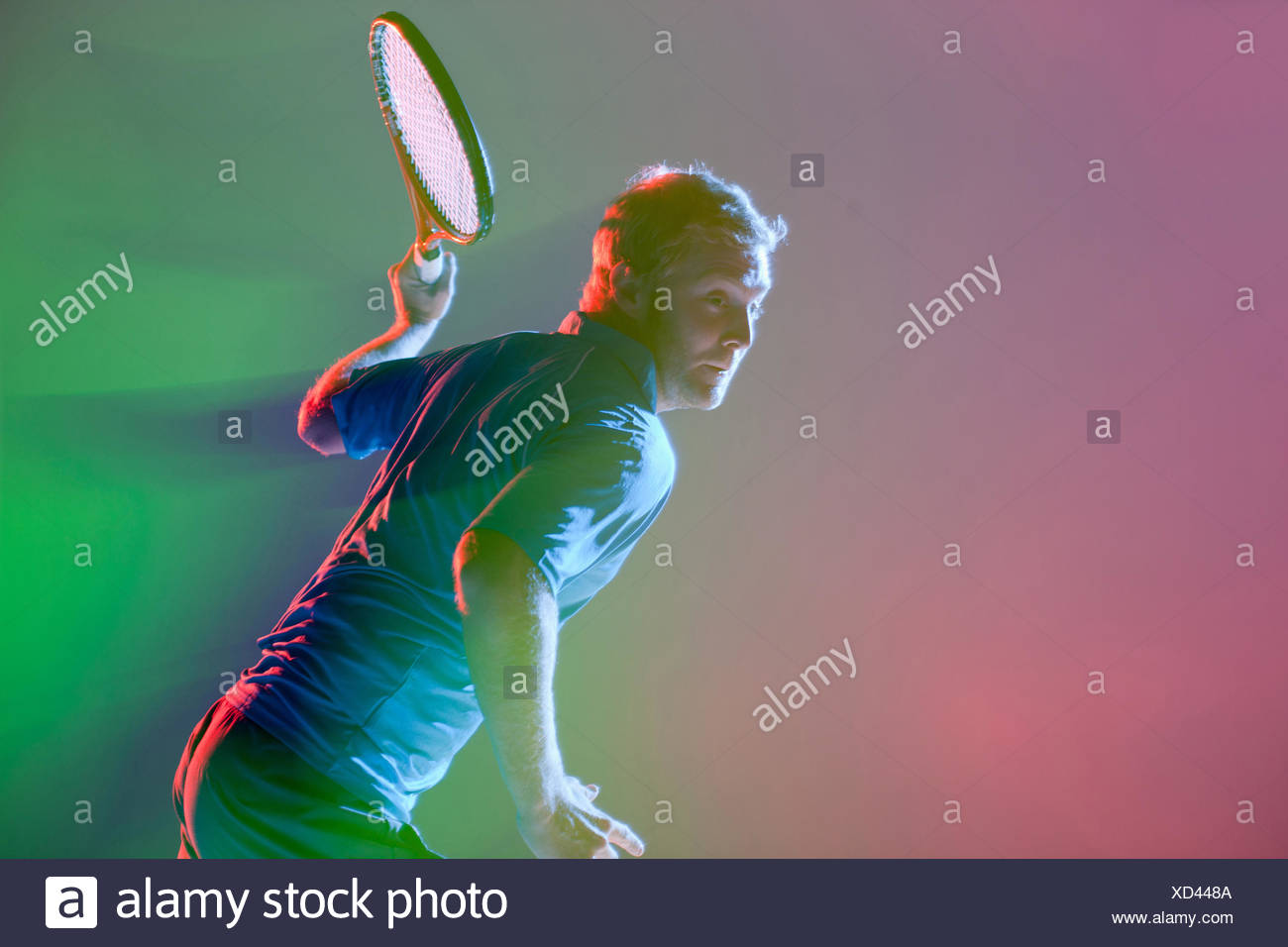 Jugador de tenis raqueta oscilante Imagen De Stock