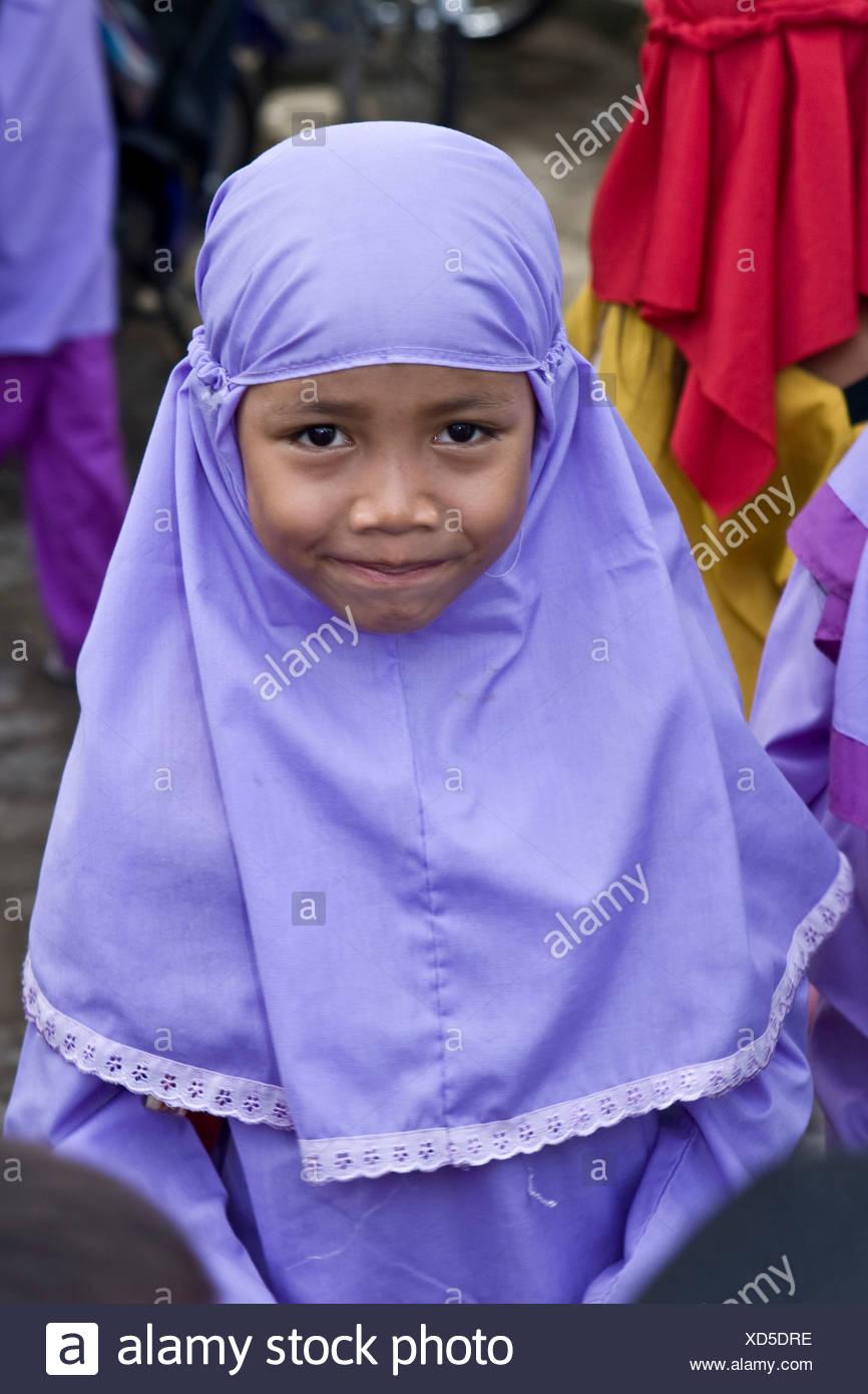 Girl Dressed In A School Uniform Imágenes De Stock & Girl Dressed In ...