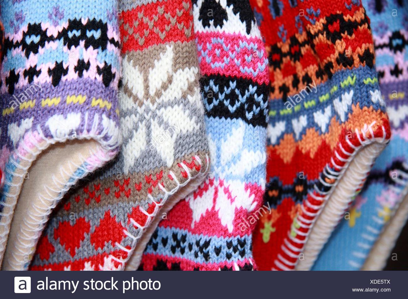 ... Bad Münstereifel en Europa Alemania. R3DT4B (RM). Gorros de lana de  color Imagen De Stock 8e34abf1509
