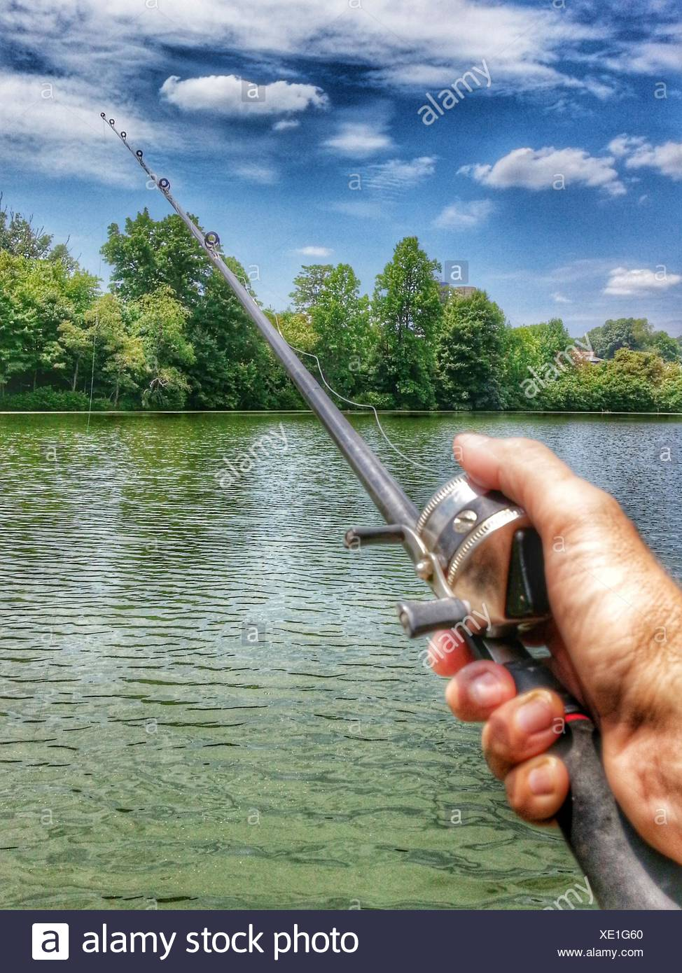 Pesca en río joven Imagen De Stock