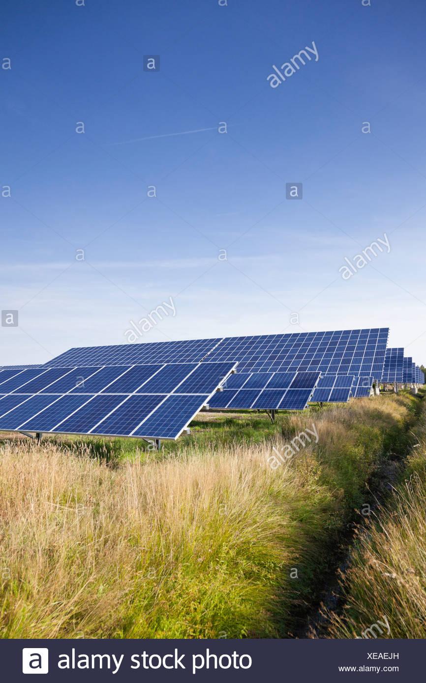 Alemania, en Renania del Norte-Westfalia, paneles solares en energía solar parque cerca de Saerbeck Imagen De Stock