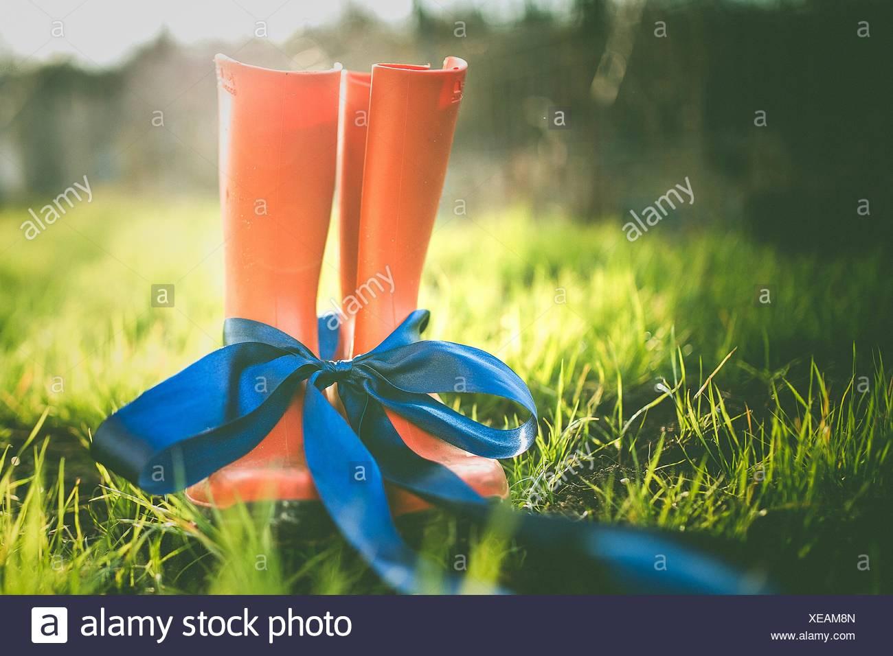 Primer plano de caucho atadas con cinta azul Imagen De Stock