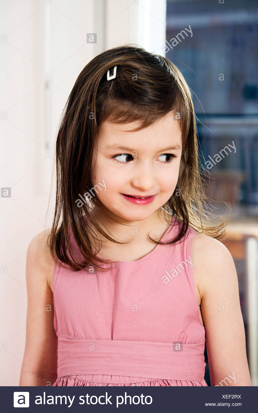 Chica con pelo marrón, Retrato Imagen De Stock
