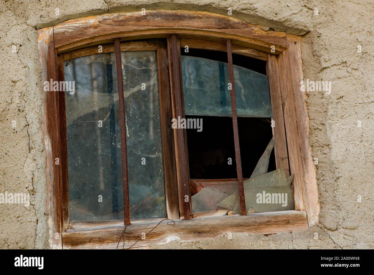 Ferme, vieux, vitre cassée, Buchhofen, Bavière, Allemagne Banque D'Images