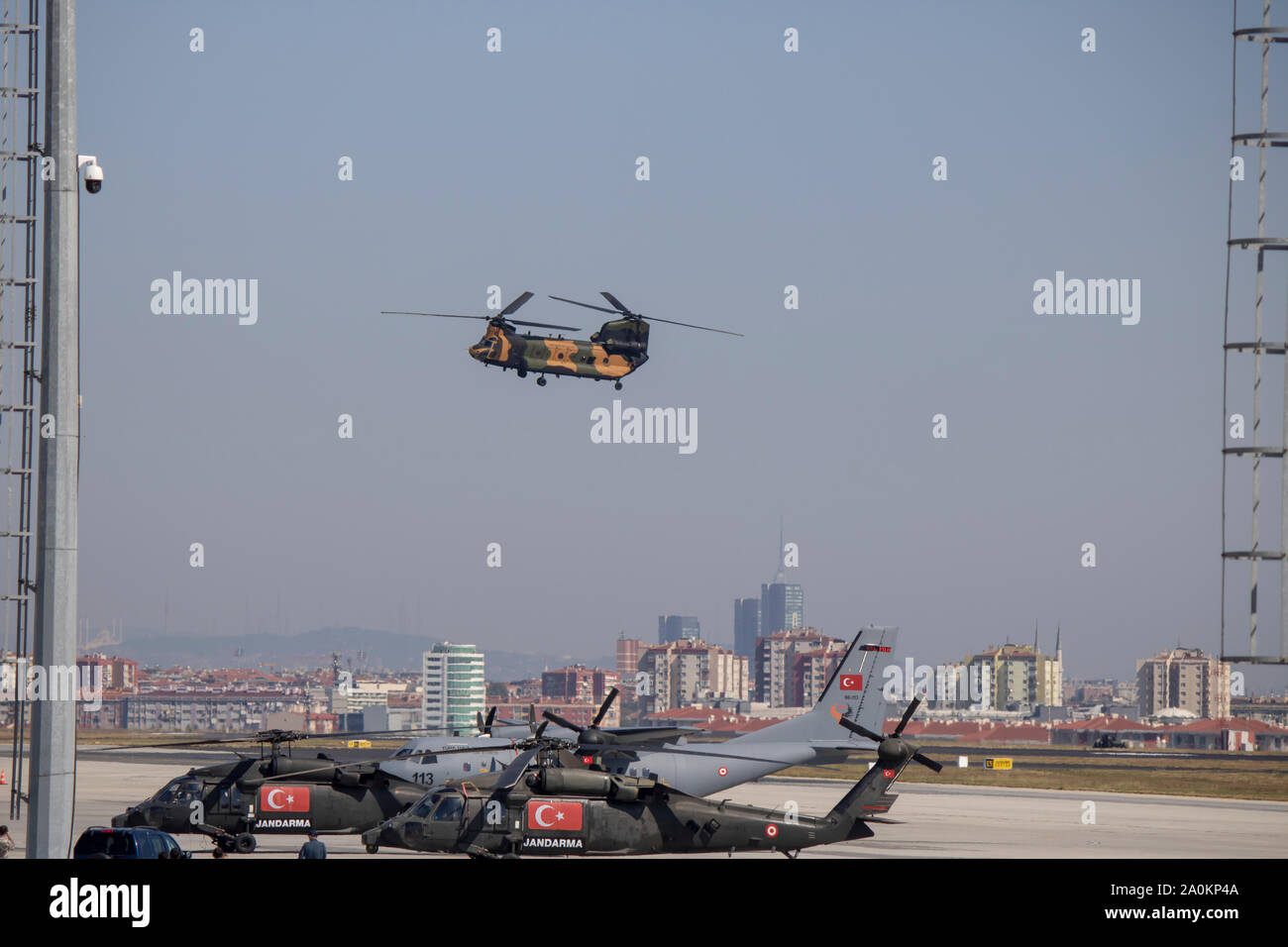 Istanbul, Turquie - Septembre-18,2019 hélicoptère Chinook: vol de démonstration au festival. Banque D'Images