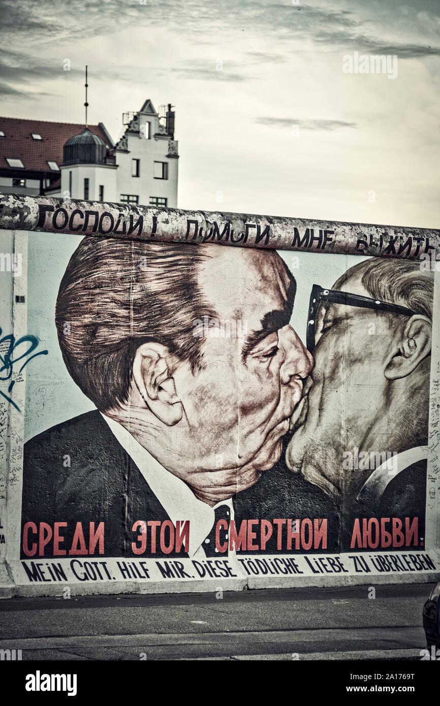 Dimitrij Vroubel, frère baiser de Leonid Breschnew et Erich Honecker, ' Que Dieu m'aide à survivre à cet amour mortel , East Side Gallery, Berlin, Banque D'Images