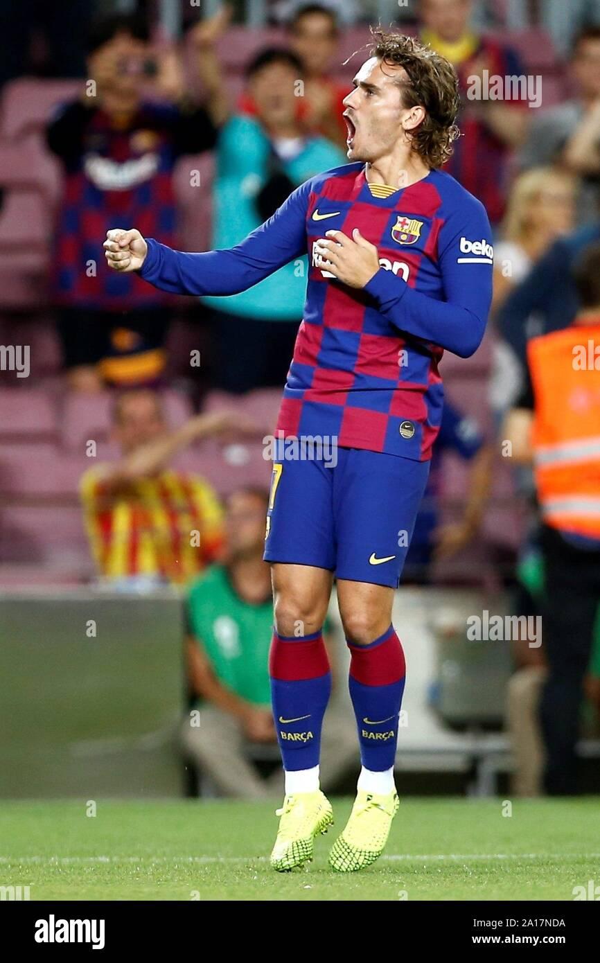 Barcelone, Catalogne, Espagne. Sep 24, 2019. L'avant du FC Barcelone Antoine Griezmann célèbre après avoir marqué le 1-0 au cours de la correspondance entre LaLiga espagnol le FC Barcelone et Villarreal CF au Camp Nou à Barcelone, Catalogne, Espagne, le 24 septembre 2019. L'EFE/ Quique Garcia Banque D'Images