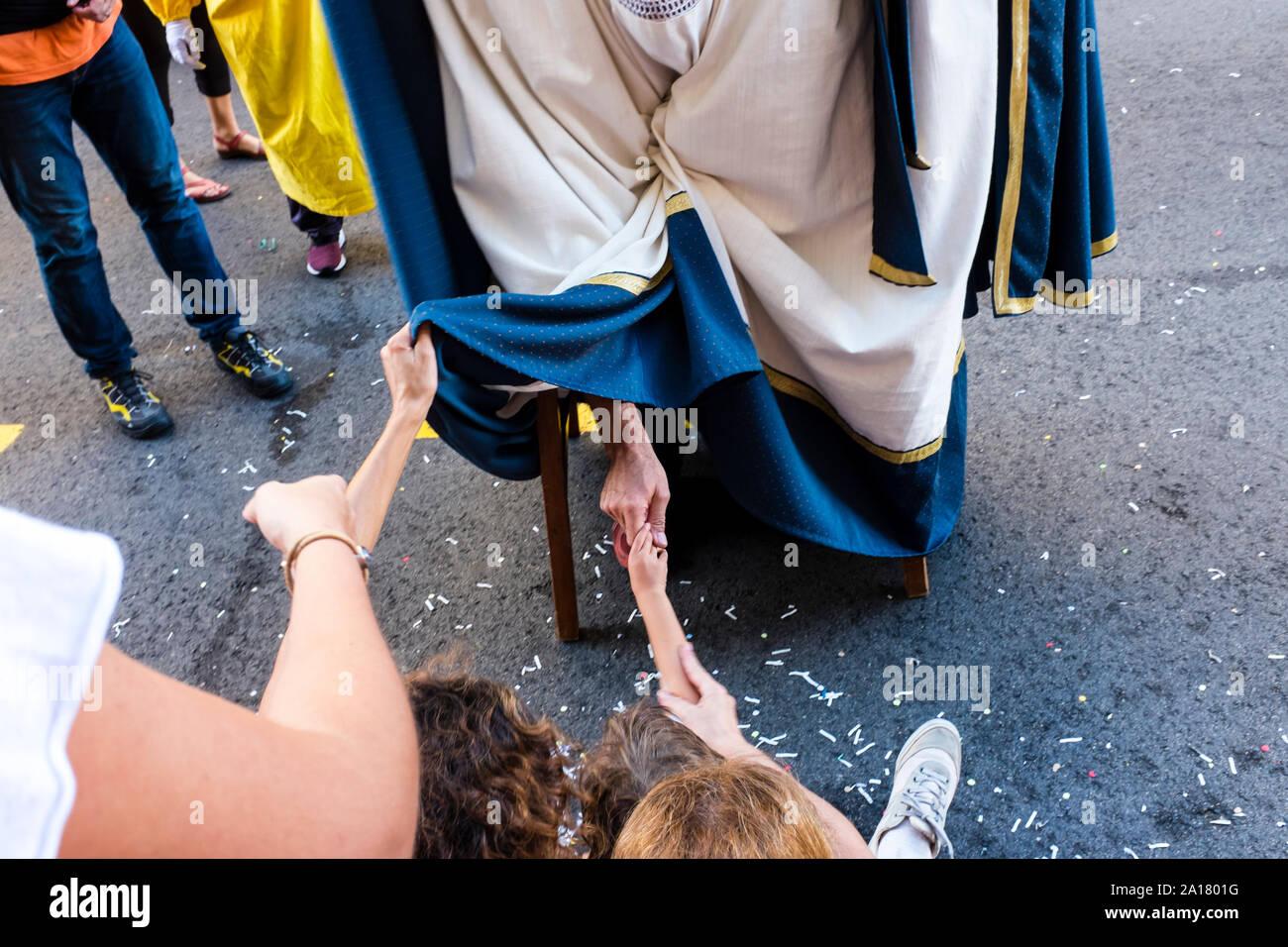 Barcelone, Espagne. Sep 24, 2019. 'Cavalcada de la Mercè',??un des actes de la culture traditionnelle de la Mercé fêtes, c'est la grande parade de géants et de grosses têtes, qui a lieu dans le centre de la ville de Barcelone . Cette parade débute à 18h00 du Pelai Street près de la Place Catalunya, puis en bas de La Rambla, tourner sur la rue Ferran pour mettre fin à la Plaça de Sant Jaume. (Photo de Francisco Jose Pelay/Pacific Press) Credit: Pacific Press Agency/Alamy Live News Banque D'Images