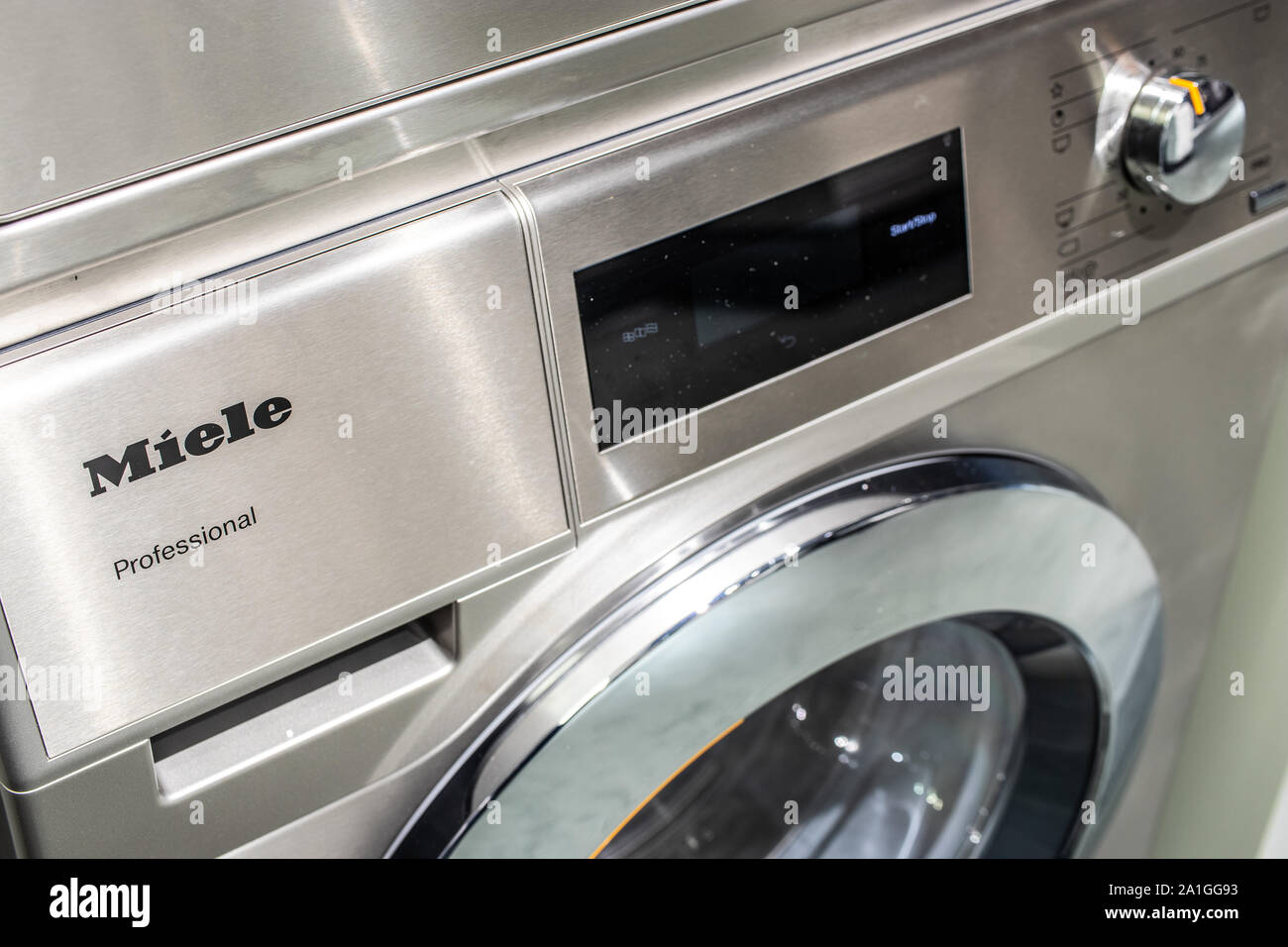 Seche Linge Peu Profond washing display photos & washing display images - alamy