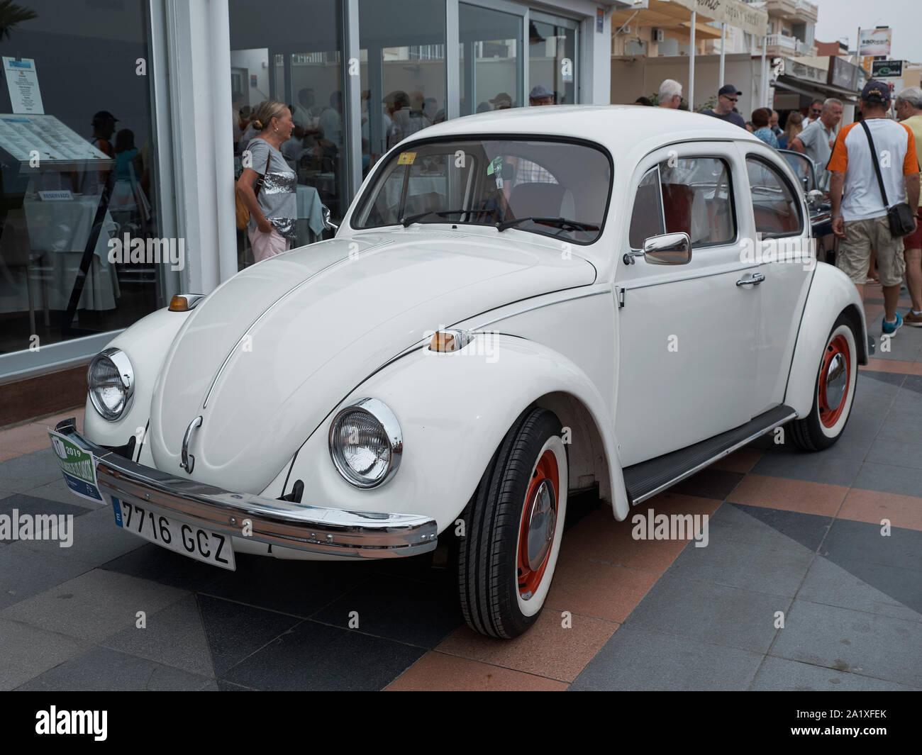 Volkswagen Beetle. Classic car réunion à Torremolinos, Malaga, Espagne. Banque D'Images