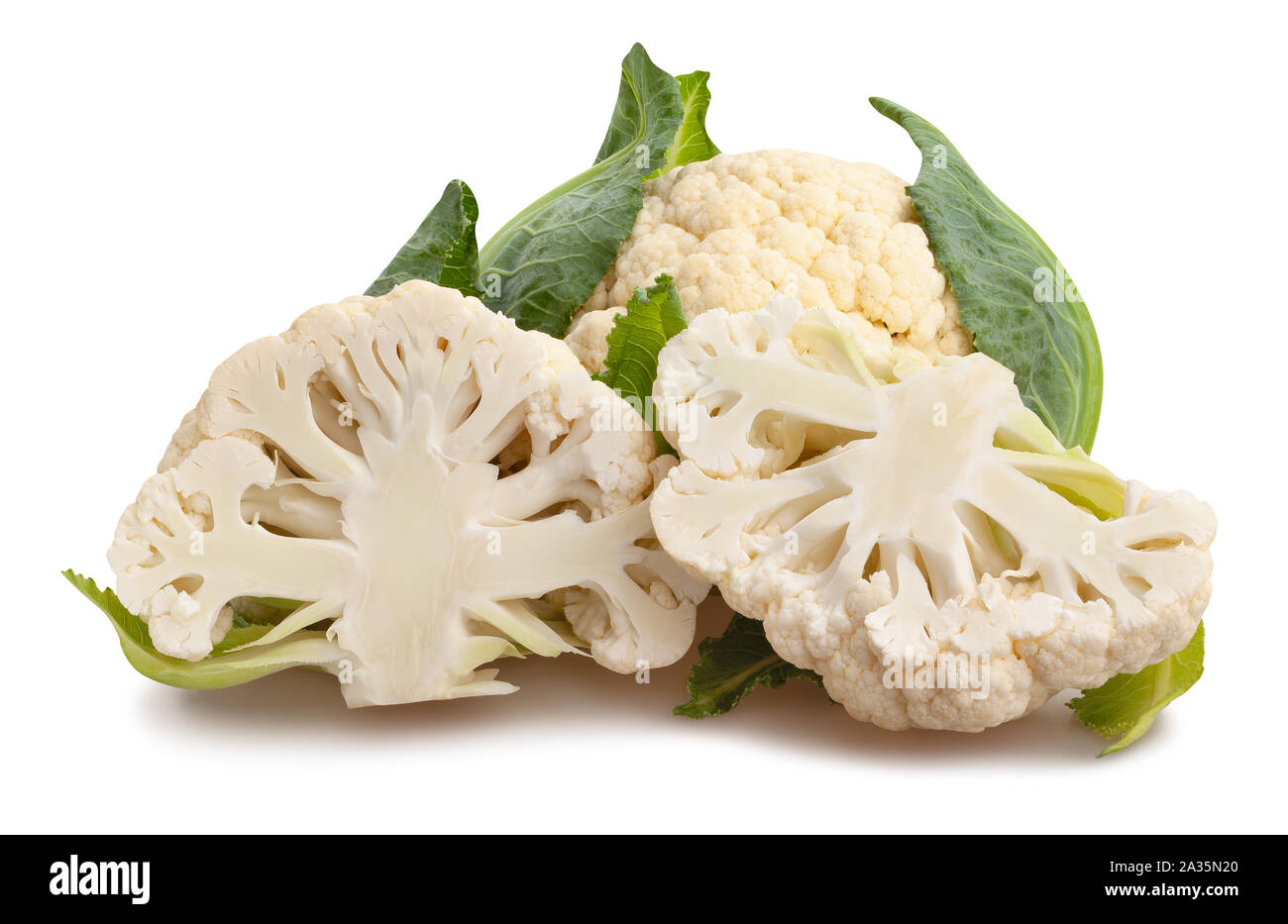 Tranches de chou-fleur chemin isolated on white Banque D'Images
