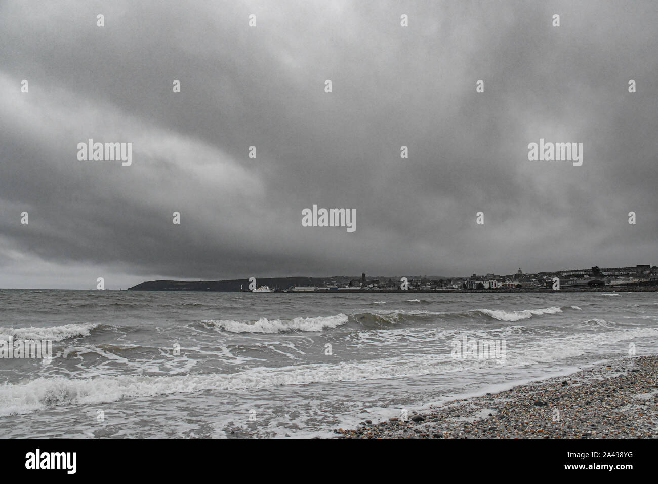 Chyandour, Cornwall, UK. 13 octobre 2019. Météo britannique. Ciel gris donnant un presque monochrome photo de la vue vers Penzance ce matin. Simon crédit Maycock / Alamy Live News. Banque D'Images