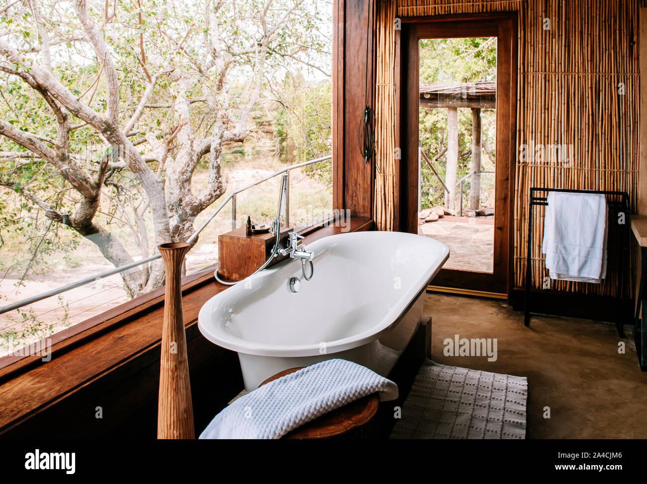 Salle De Bain Deco Bambou jun 20, 2011 tanzanie - salle de bain en plein air avec une
