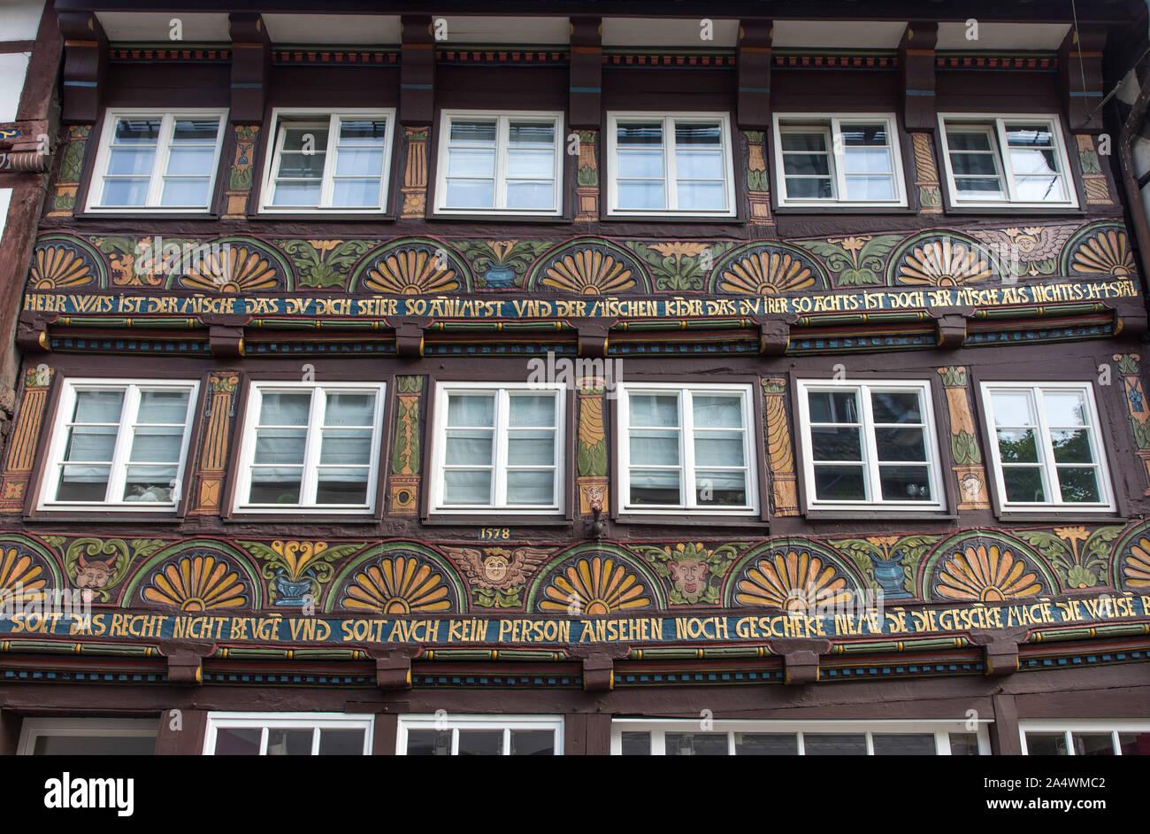 Maison à colombages dans la vieille ville de Hagen, richement décorée, Banque D'Images