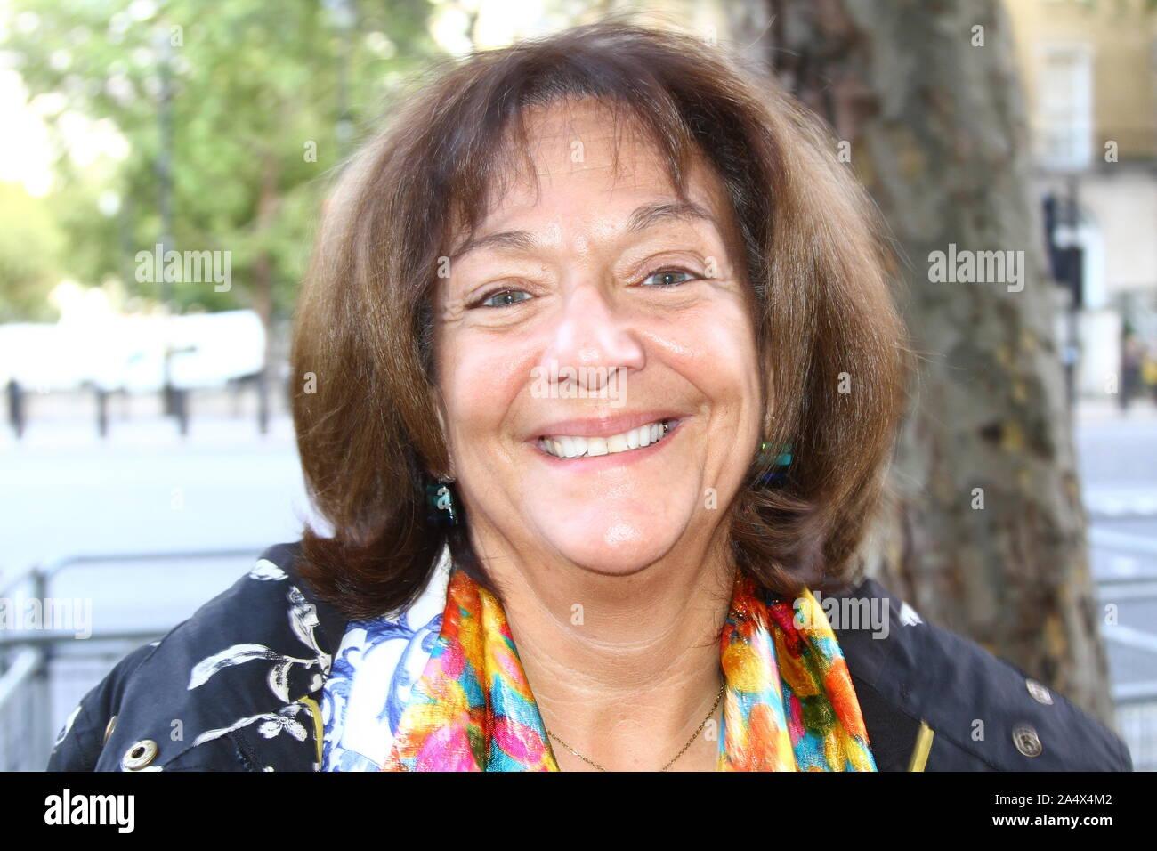 Baronne Altman à Whitehall, Londres, Royaume-Uni le 16 octobre 2019. Roz Altman. Des politiciens célèbres. Banque D'Images