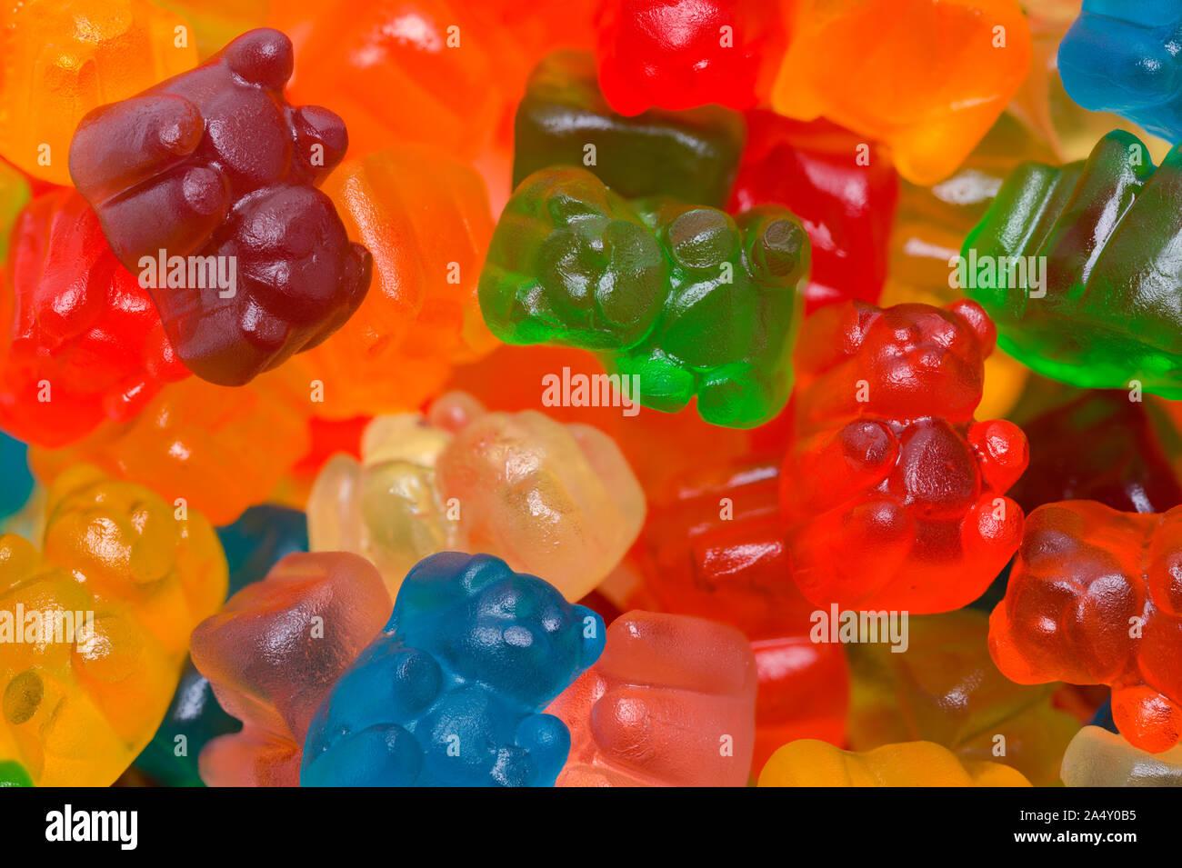 Pile de Candy Gummy Bears Background Close Up. Banque D'Images