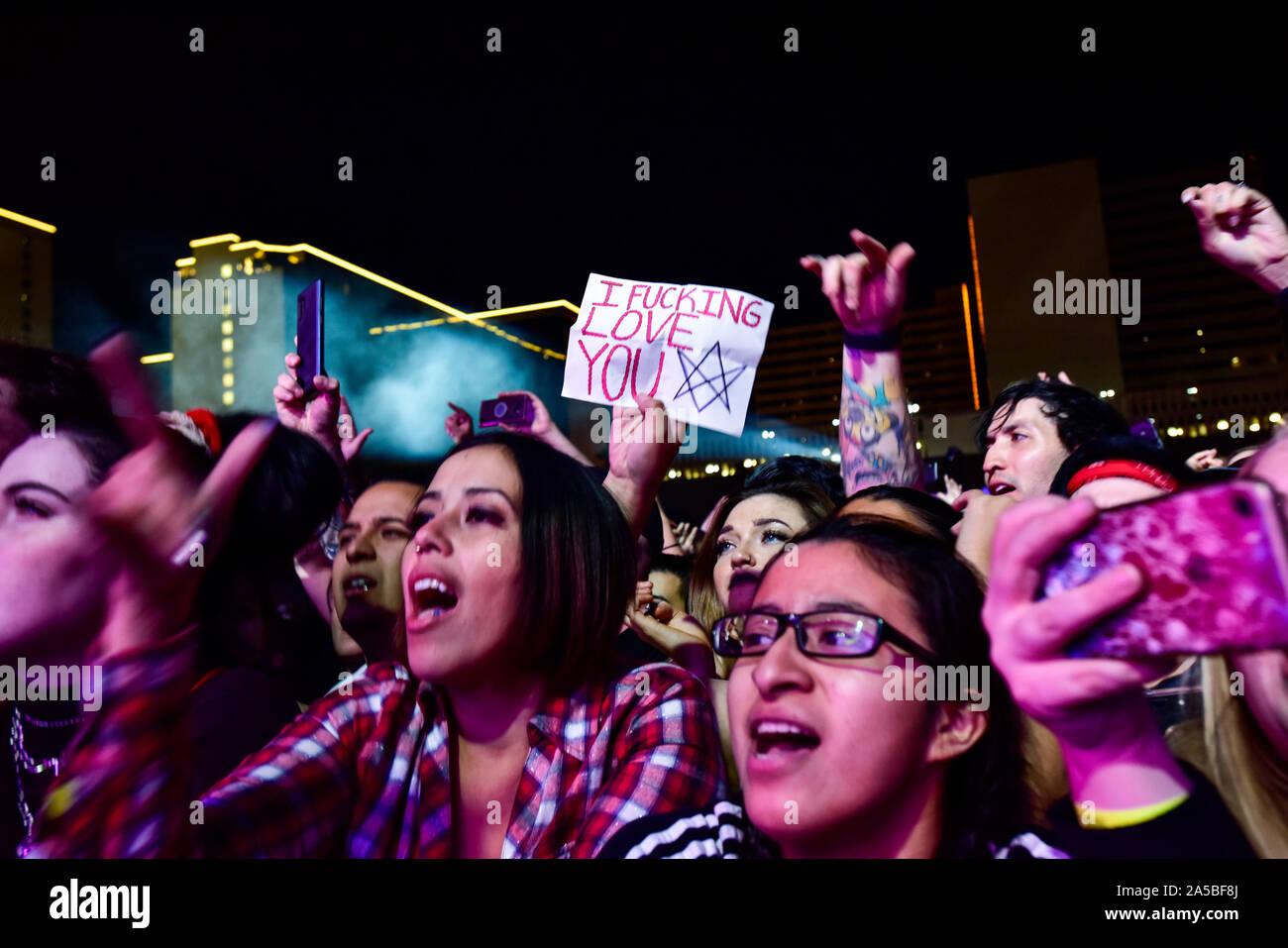 Las Vegas, Nevada, le 18 octobre 2019 - Concert foule à la troisième édition annuelle de Las Stique heavy metal music festival tenu à la Centre-ville de Las Vegas Events Center. Crédit de photo: Ken Howard Images Banque D'Images
