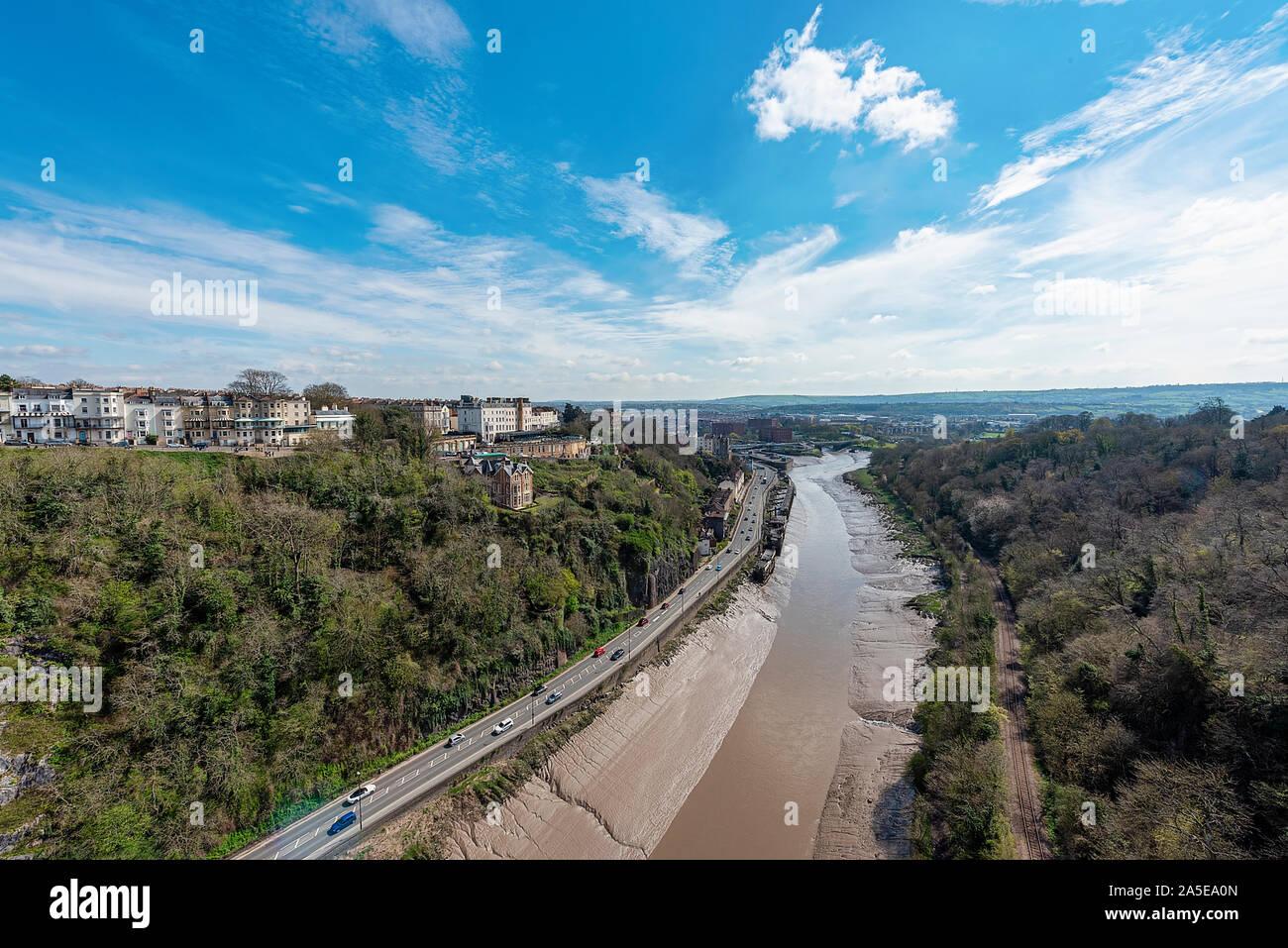 Bristol, Royaume-Uni, avril 2019 - Vue de la rivière Avon et de Bristol Clifton Suspension Bridge Banque D'Images