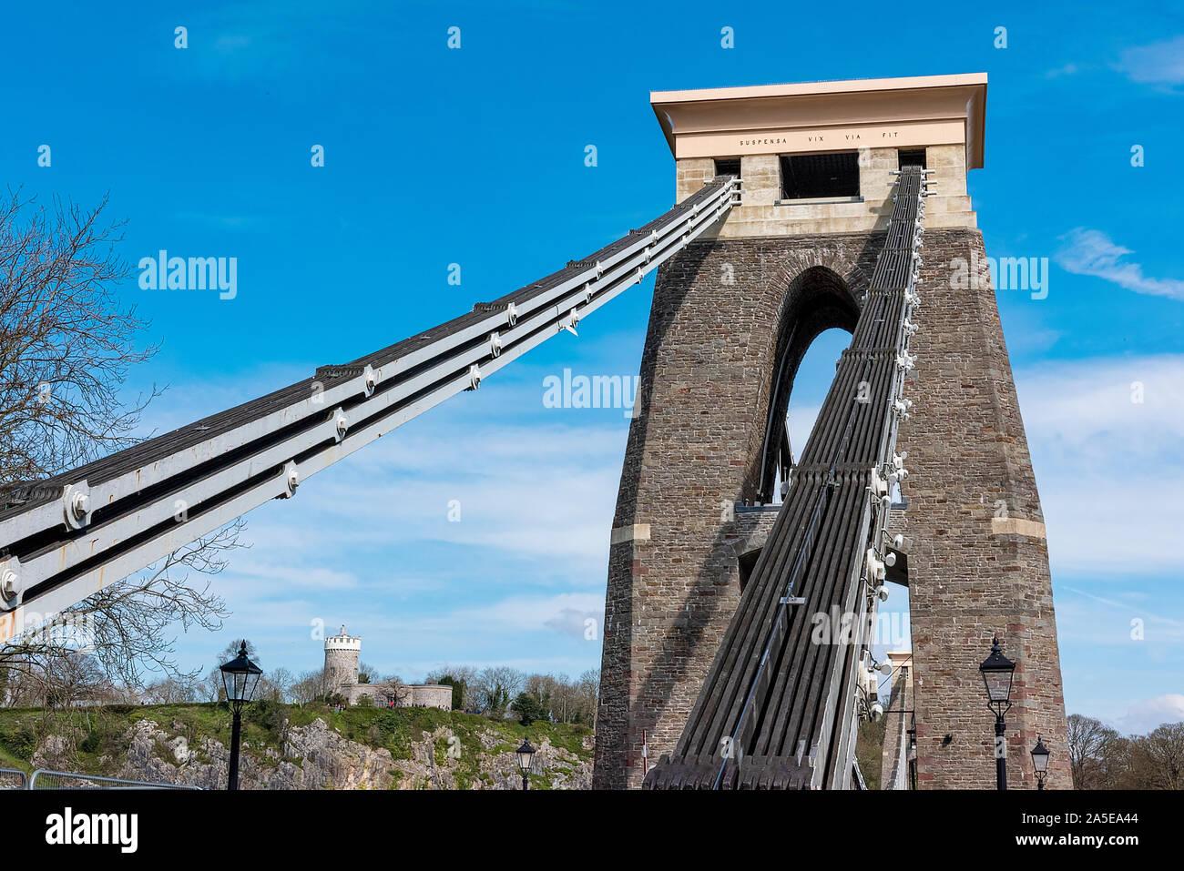 Bristol, Royaume-Uni, avril 2019 - Observatoire de Bristol & suspension bridge Banque D'Images