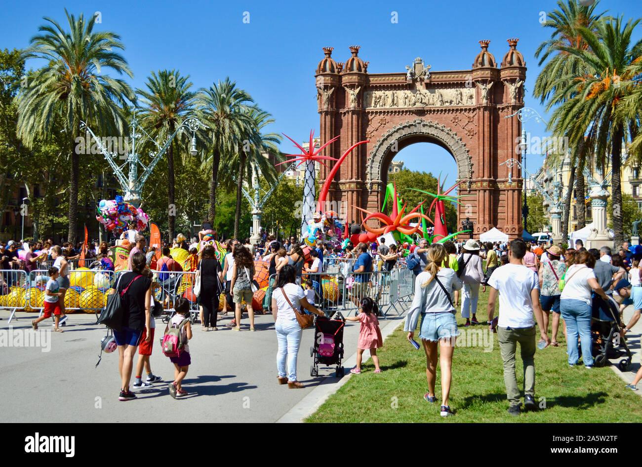 Les gens à Ciutadella Park pendant la Merce 2019 à Barcelone, Espagne Banque D'Images