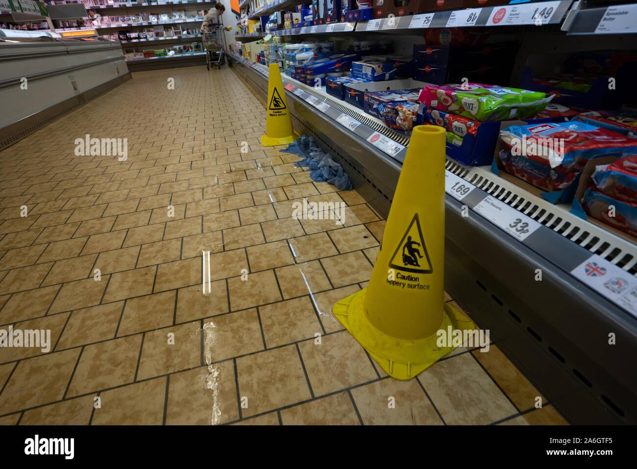 Caution Wet Floor Sign In Photos Caution Wet Floor Sign In