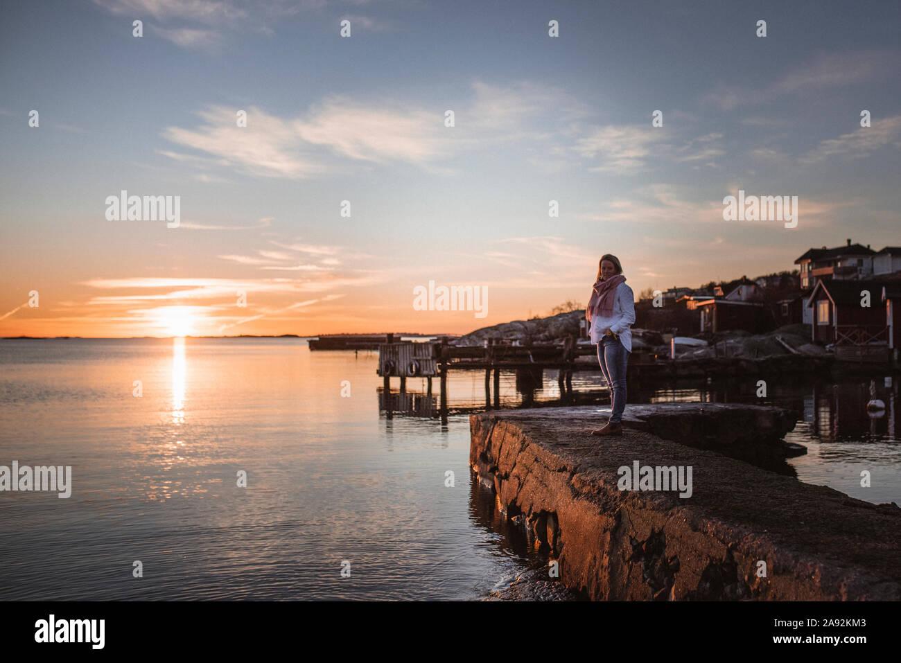 Femme en mer Banque D'Images